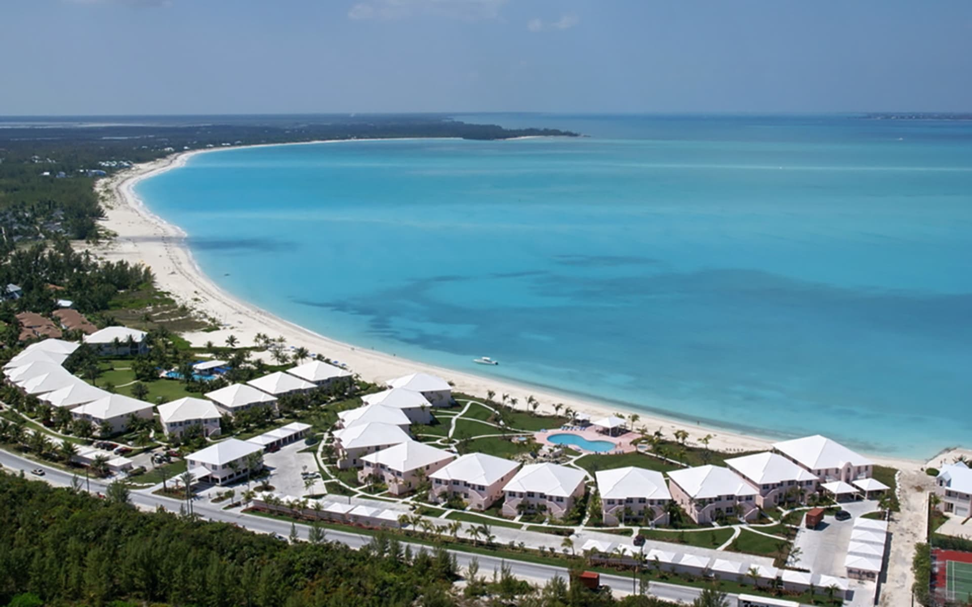 Bahama Beach Club in Treasure Cay: exterior bahama beach club hotelansicht meer