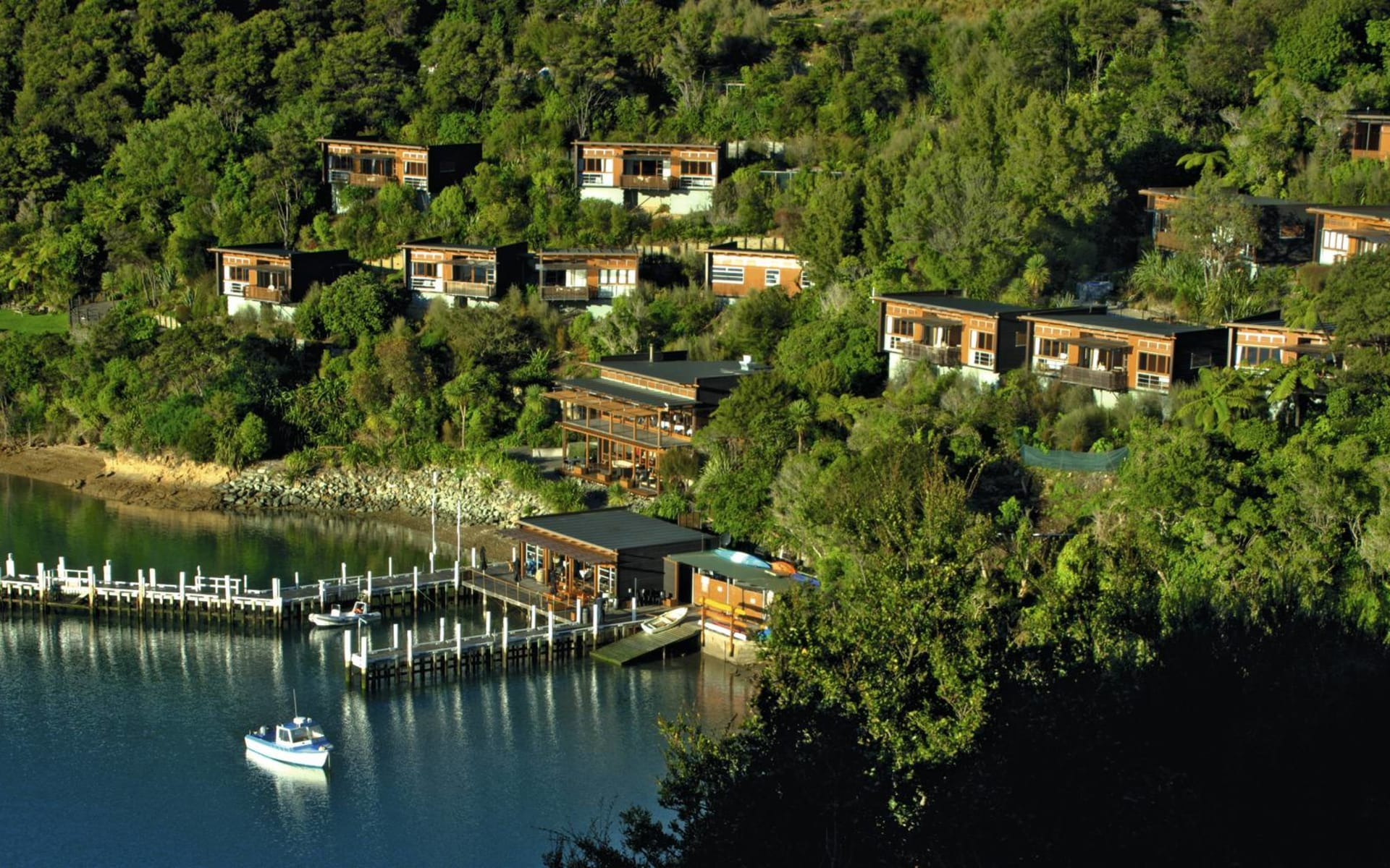 Bay of Many Coves Resort in Marlborough Sounds:  Bay of Many Coves - Vogelperspektive