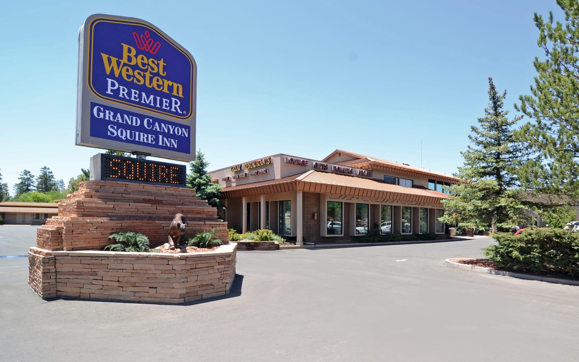 Best Western Premier Grand Canyon Squire Inn in Grand Canyon Nationalpark: Best Western Premier Grand Canyon Squire Inn - Hotel Aussenansicht