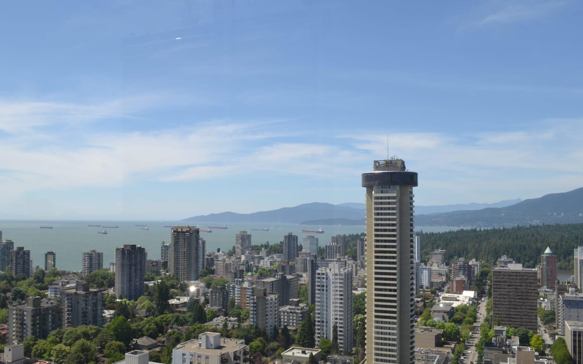 Blue Horizon in Vancouver: exterior_Blue Horizon_ViewFromGuestRoom