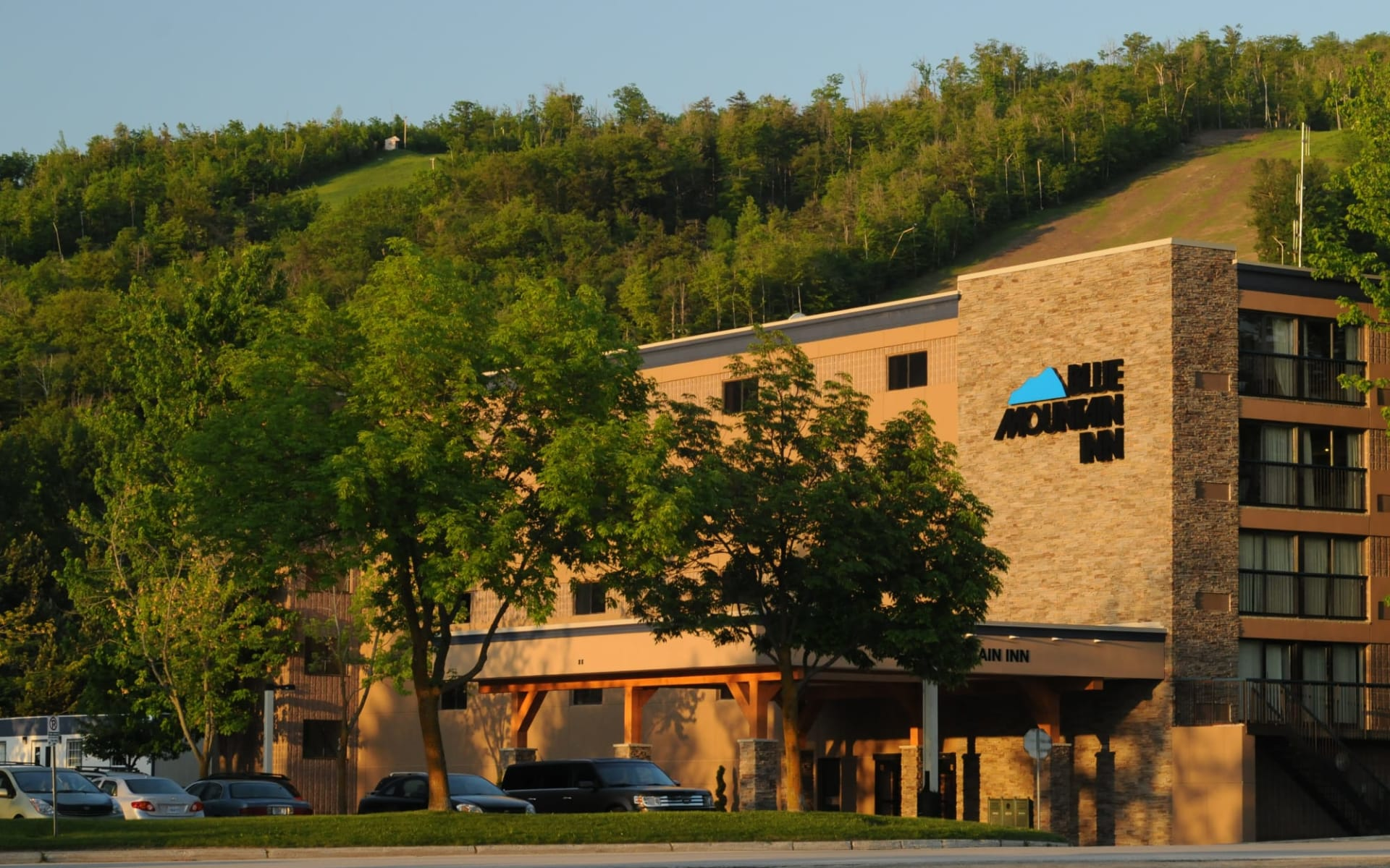 Blue Mountain Inn:  Blue Mountain Inn_EntranceArea