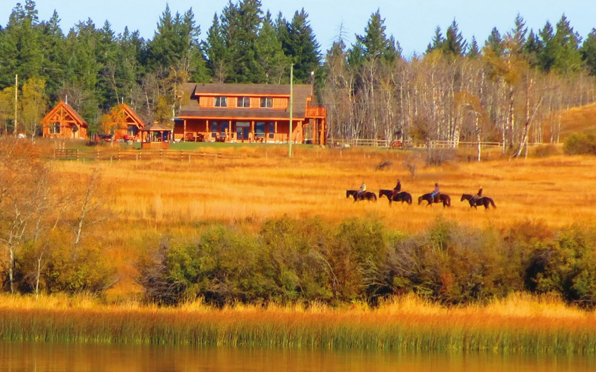 Campbell Hills Guest Ranch in Kamloops: _Campbell Hills Guest Ranch - Aussenansicht c Jonview