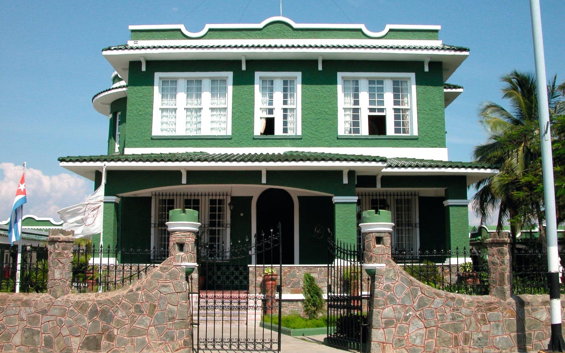 Casa Verde in Cienfuegos:  Casa Verde Cienfuegos - Aussenanschit c Hotel