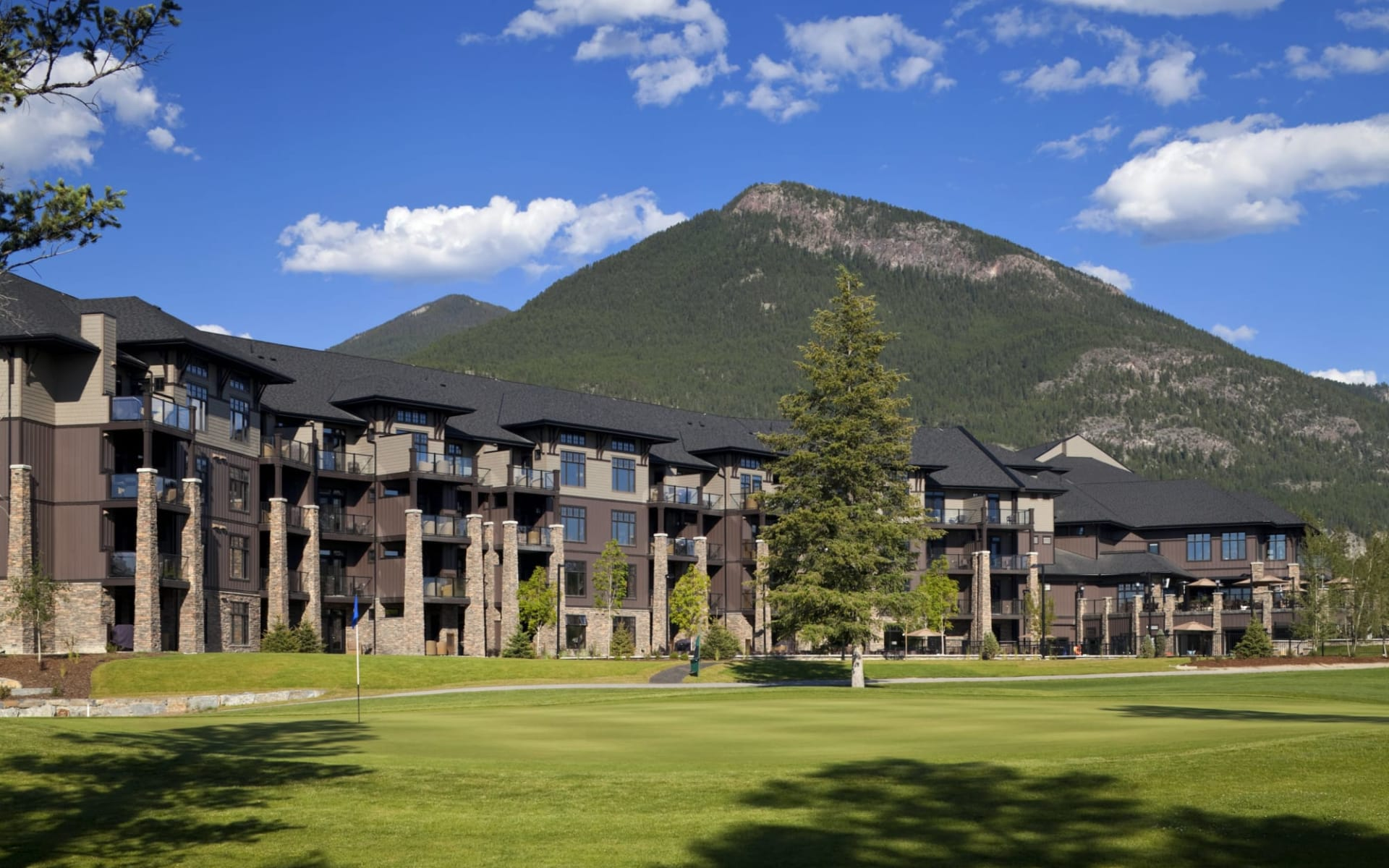 Copper Point Resort in Invermere: Exterior_Copper Point Resort_Aussenansicht_Jonview