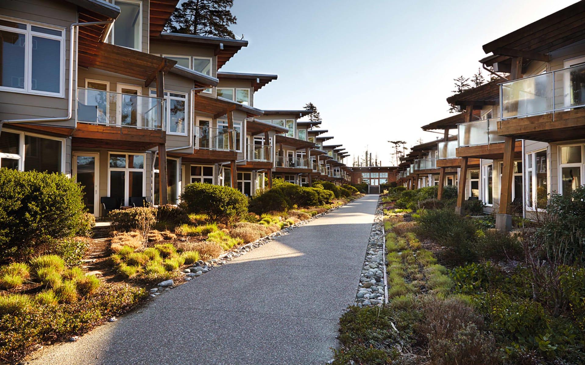 Cox Bay Beach Resort in Tofino:  CoxBayResort, Tofino