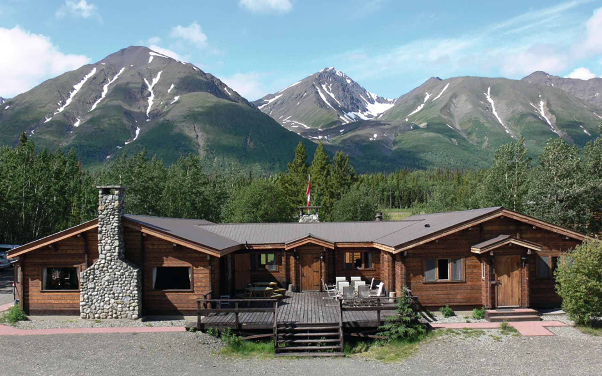 Dalton Trail Lodge in Haines Junction: Haupthaus