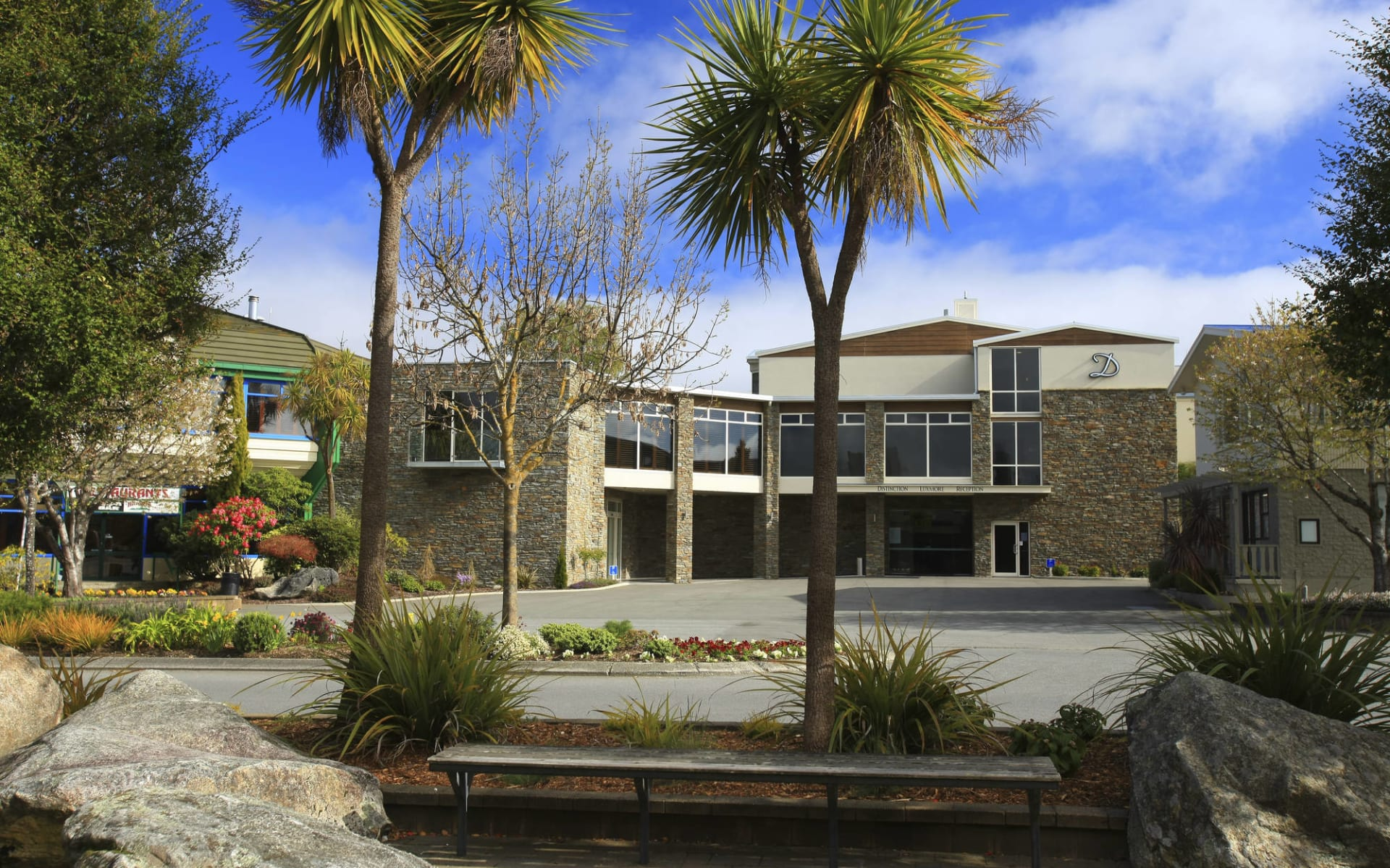 Distinction Luxmore in Te Anau: DH-Luxmore-Exterior-H-Res-