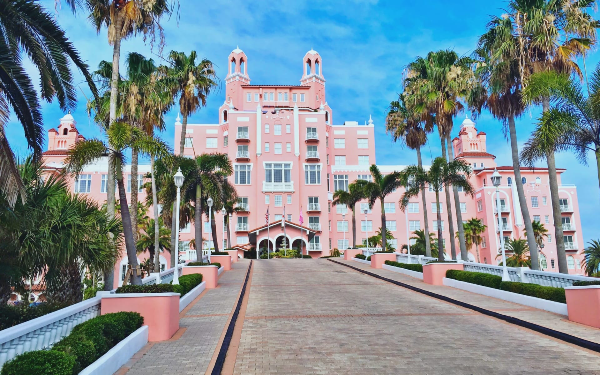 The Don Cesar Beach Resort & Spa in St. Pete Beach:  Don Front Drive