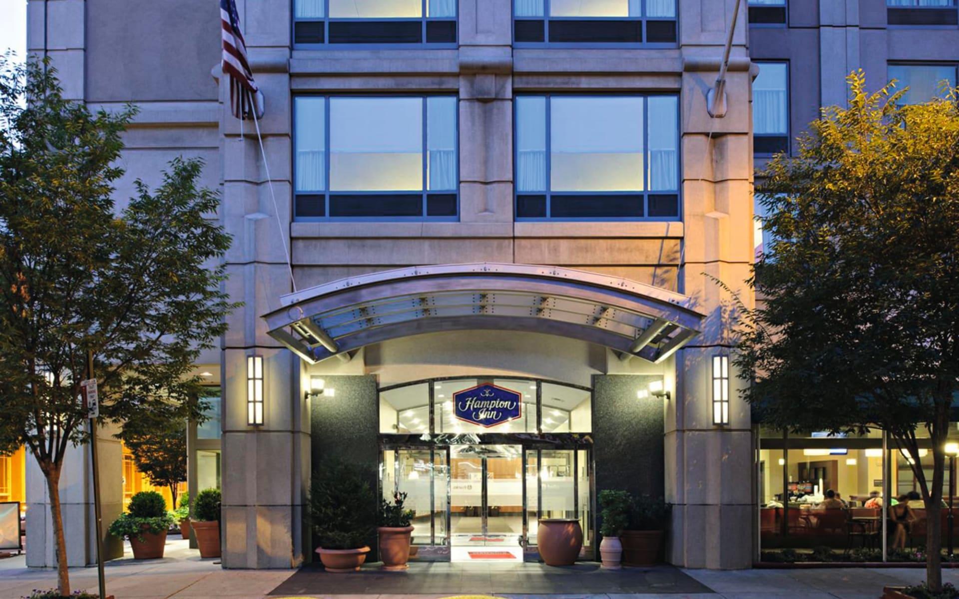 Hampton Inn Center City in Philadelphia:  Exterior_Hampton Inn Philadelphia Conv.Ctr_Hilton