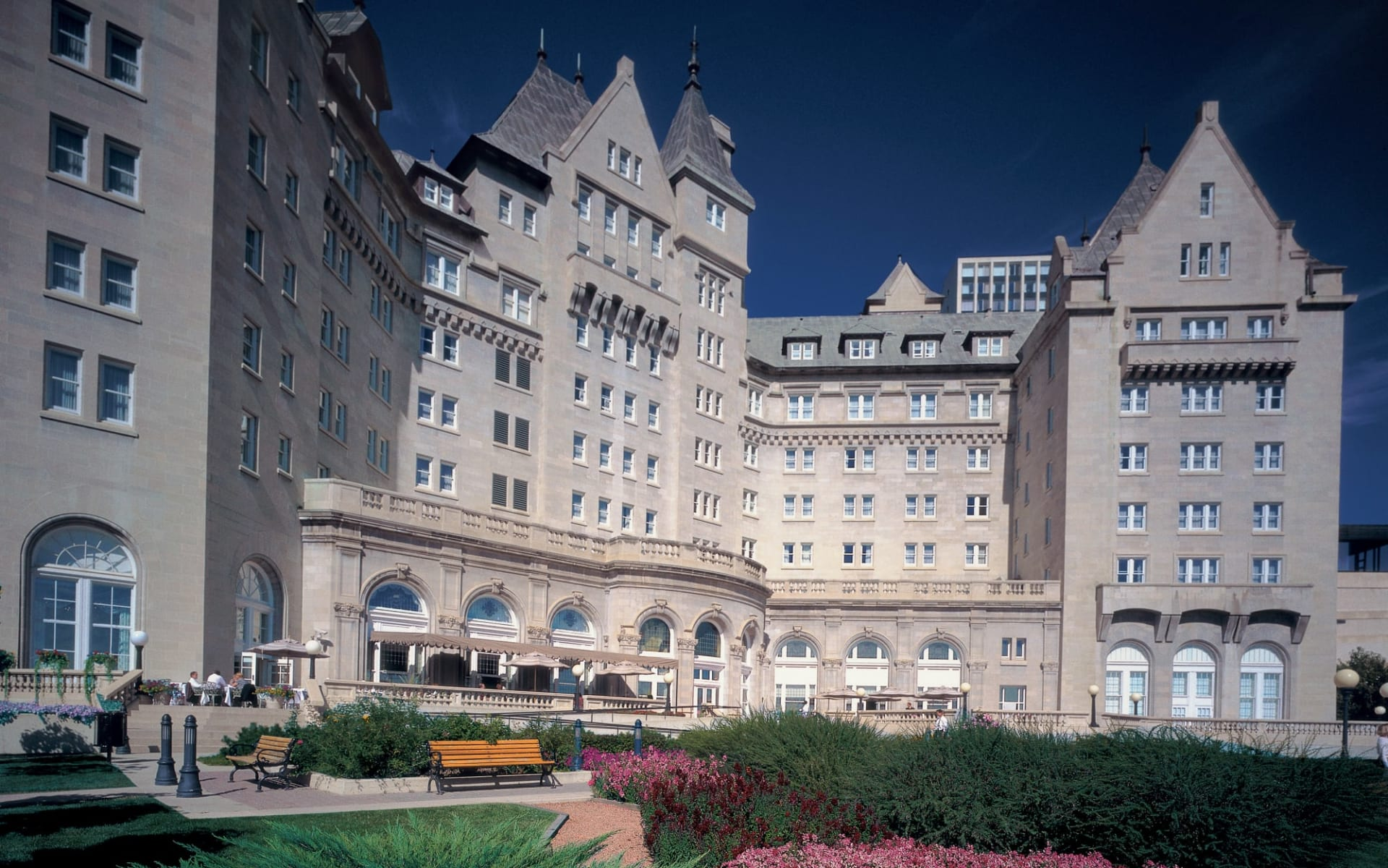 The Fairmont MacDonald in Edmonton:  Fairmont MacDonald_Summer