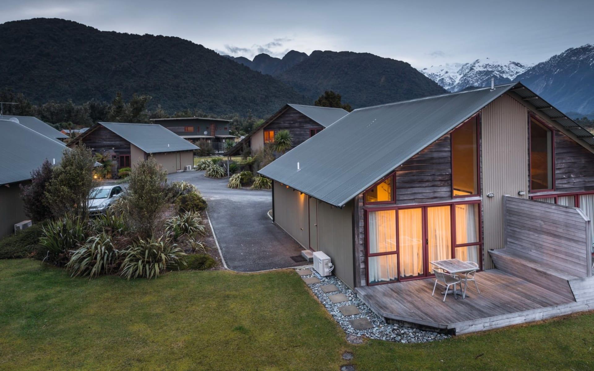 Glenfern Villas in Franz Josef:  Glenfern Villas - Blick auf Villa