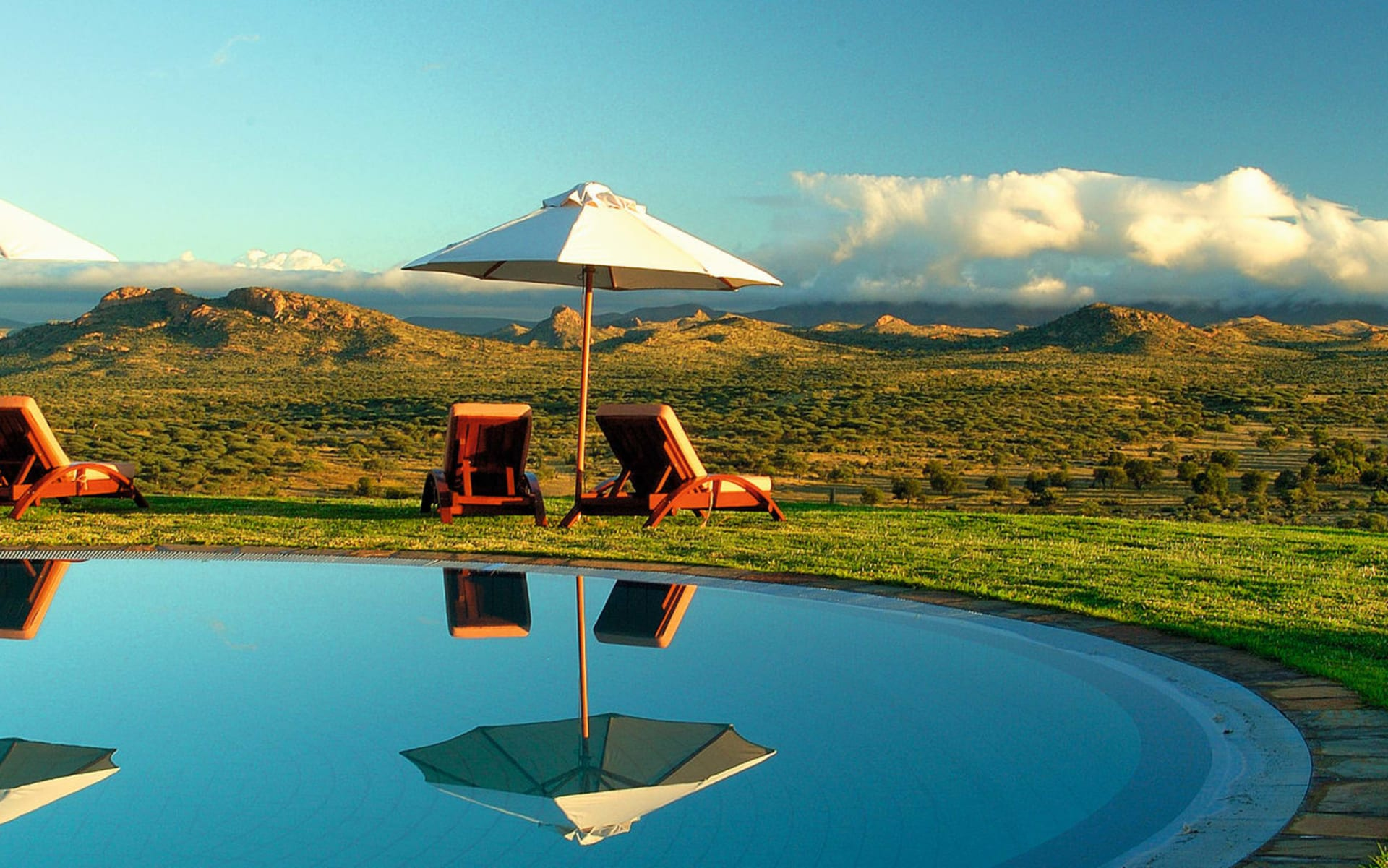 GocheGanas Nature Reserve & Wellness Village in Windhoek Region: GocheGanas Nature Reserve & Wellness Village - Ausblick von Pool aus