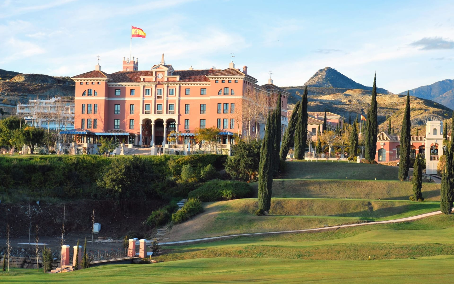 Anantara Villa Padierna Palace in Marbella: Golf Hotel Villa Padierna Palace - Aussenansicht Haupthaus