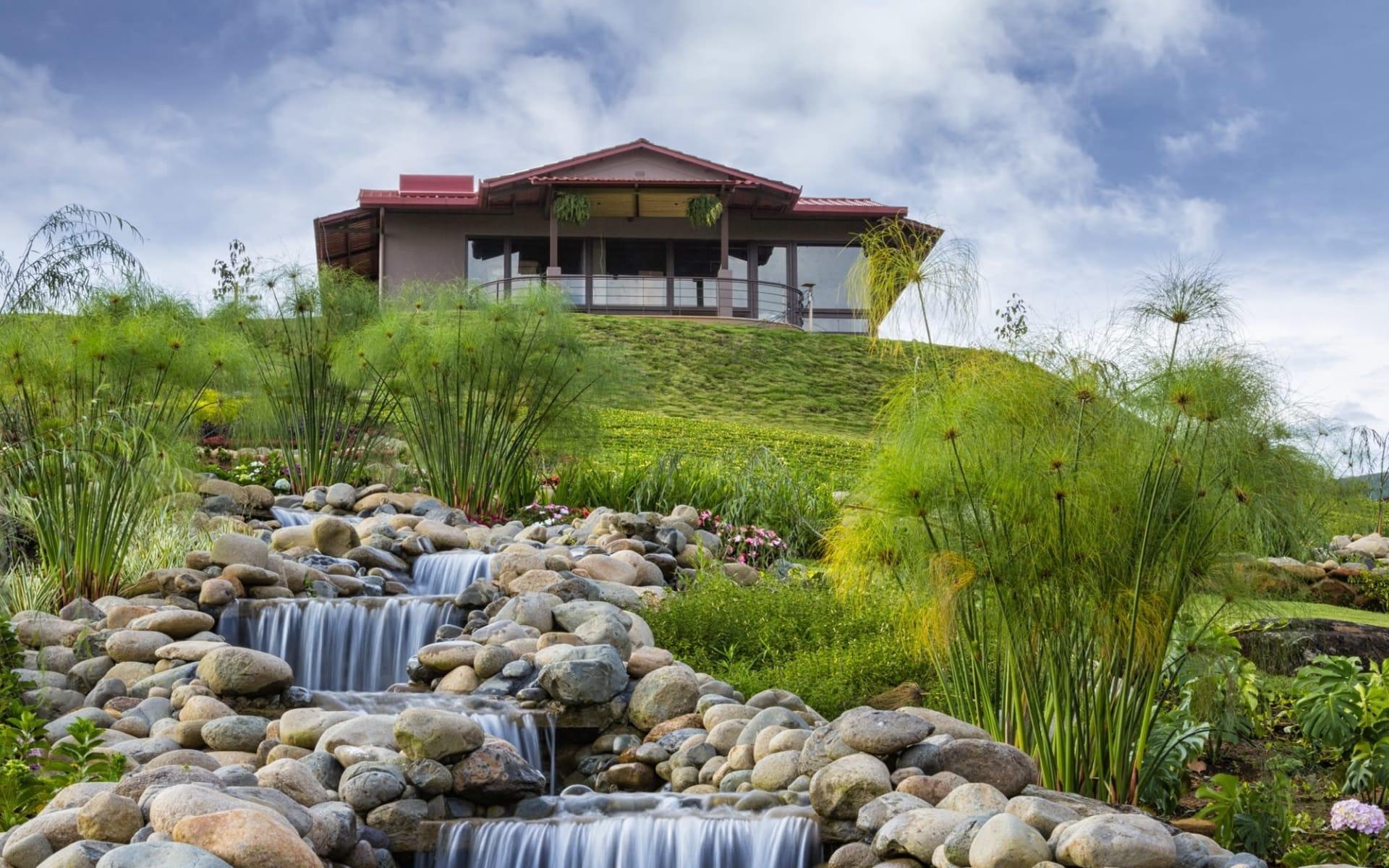 Hacienda AltaGracia in Perez Zeledon:  @HAGCasitaWaterfalls_02
