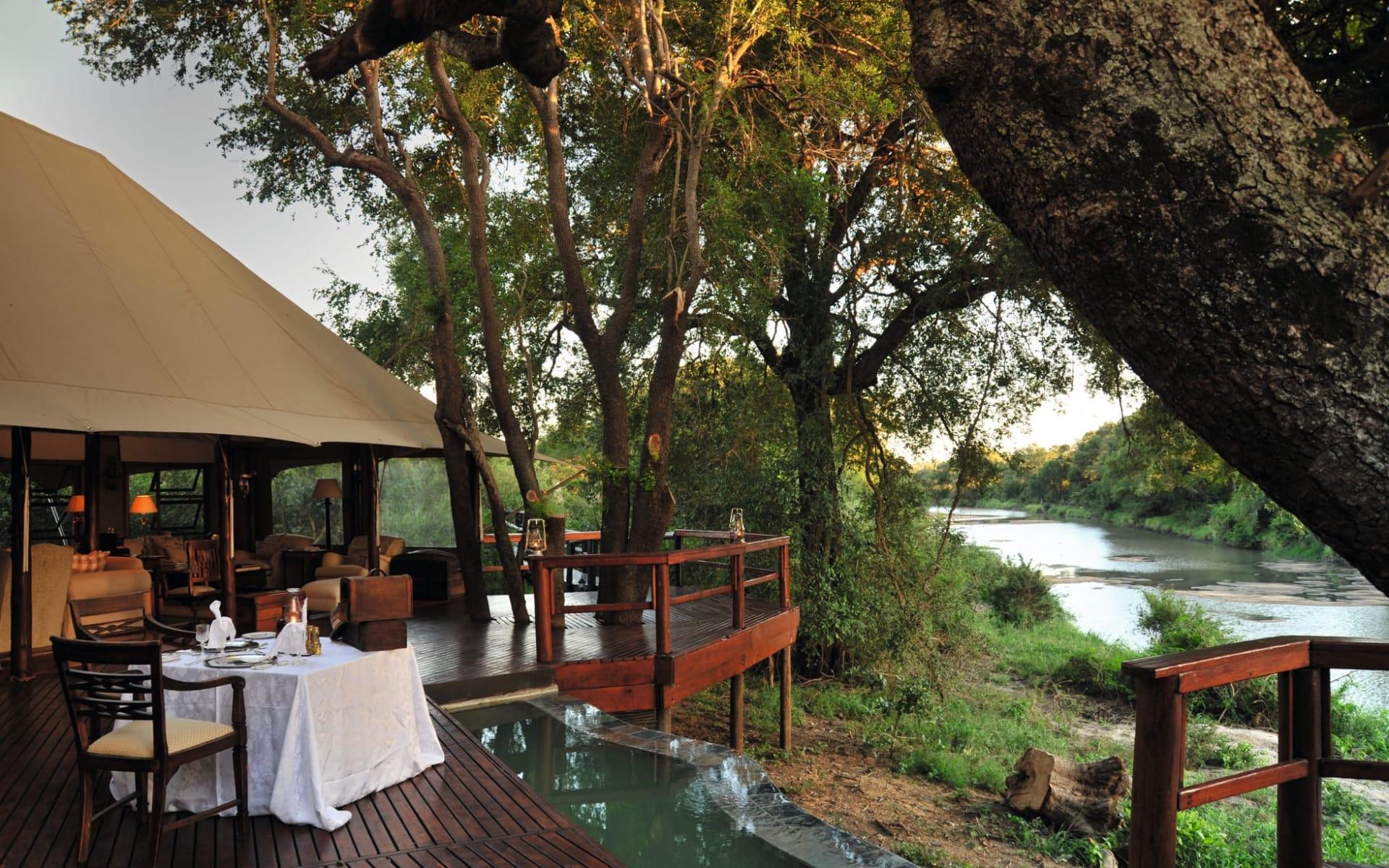 Hamiltons Tented Camp in Krüger Nationalpark: Hamiltons Tented Camp - Restaurant von aussen