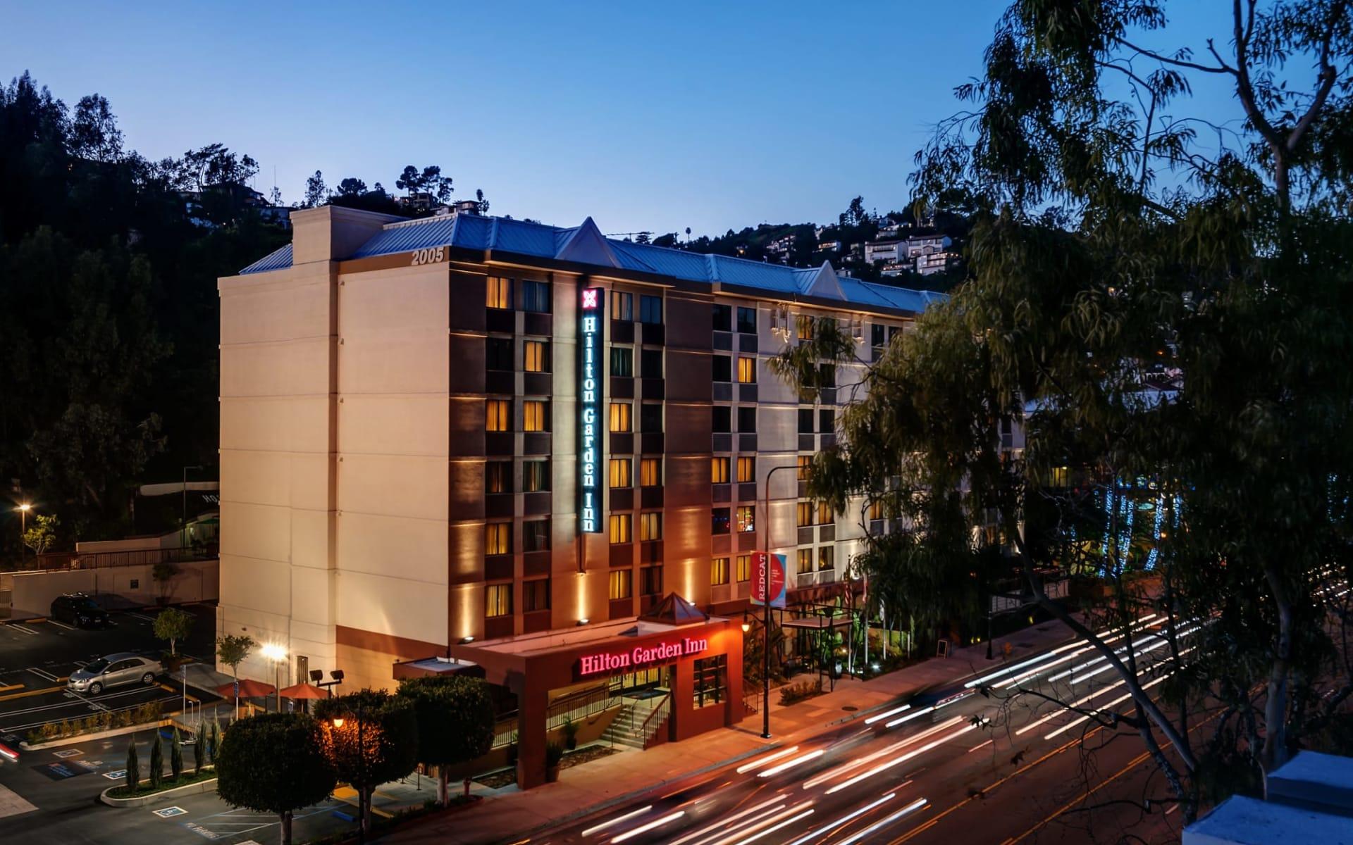 Hilton Garden Inn Los Angeles/Hollywood:  Hilton Garden Inn Hollywood - Aussenansicht bei Nacht