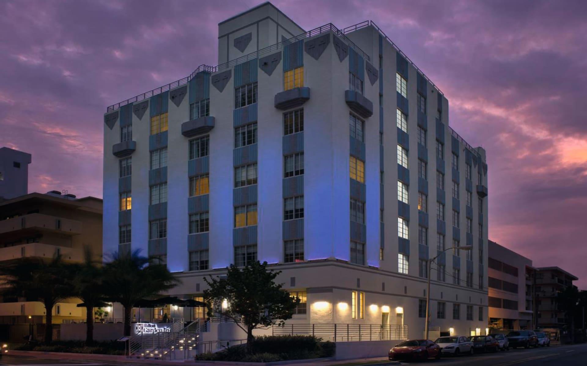 Hilton Garden Inn South Beach in Miami Beach:  Hilton Garden Inn South Beach - Abendstimmung