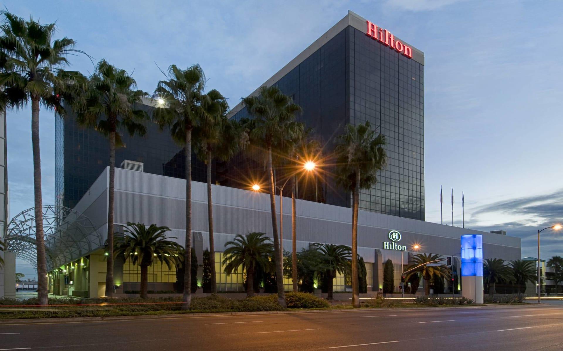 Hilton Los Angeles Airport:  Hilton LAX Airport - Aussenansicht