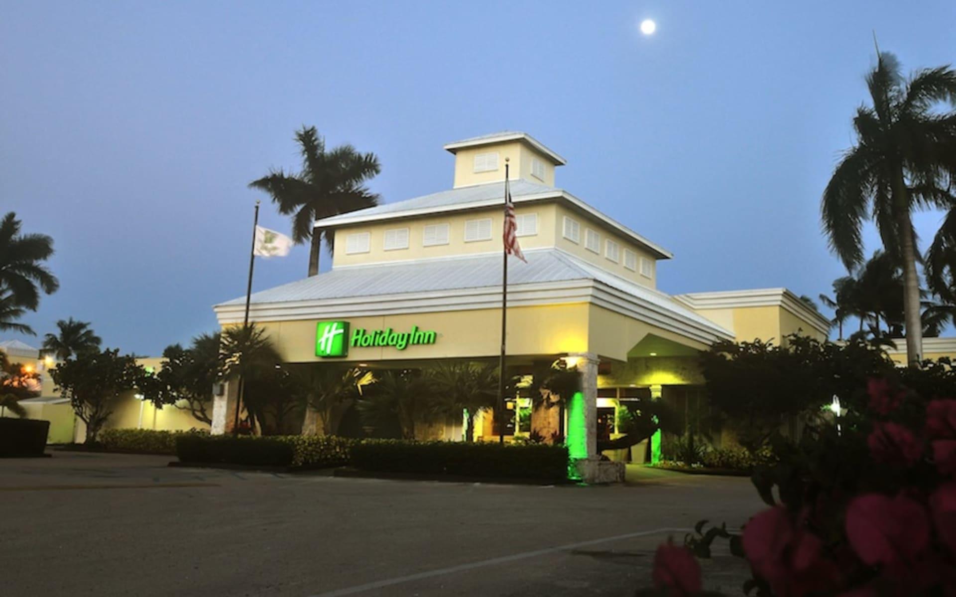 Holiday Inn Key Largo:  Holiday Inn Key Largo - Hotel by night
