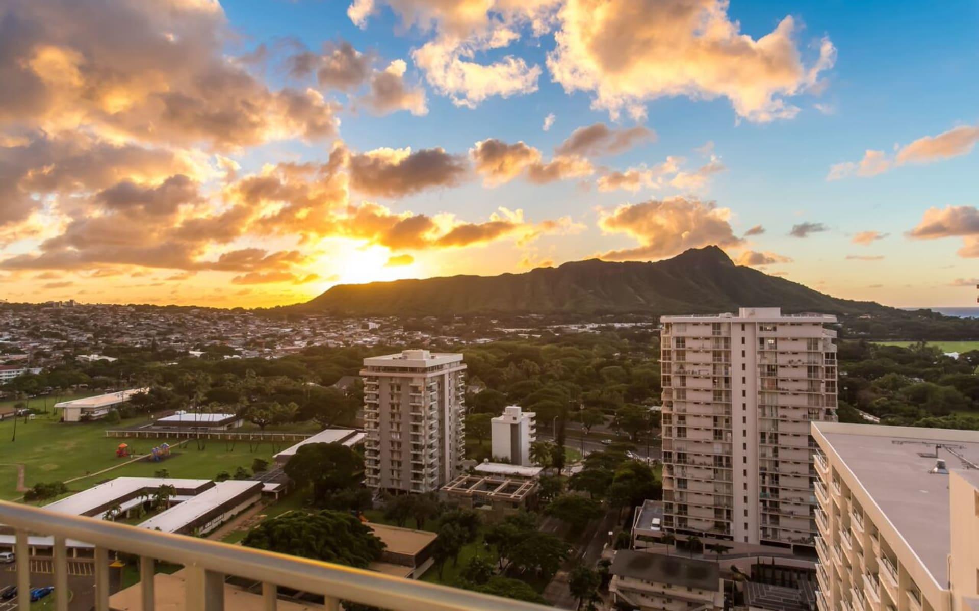 Hyatt Place Waikiki Beach in Honolulu - Oahu: Exterior_Hyatt Place Waikiki Beach_Aussenansicht 1_ATI