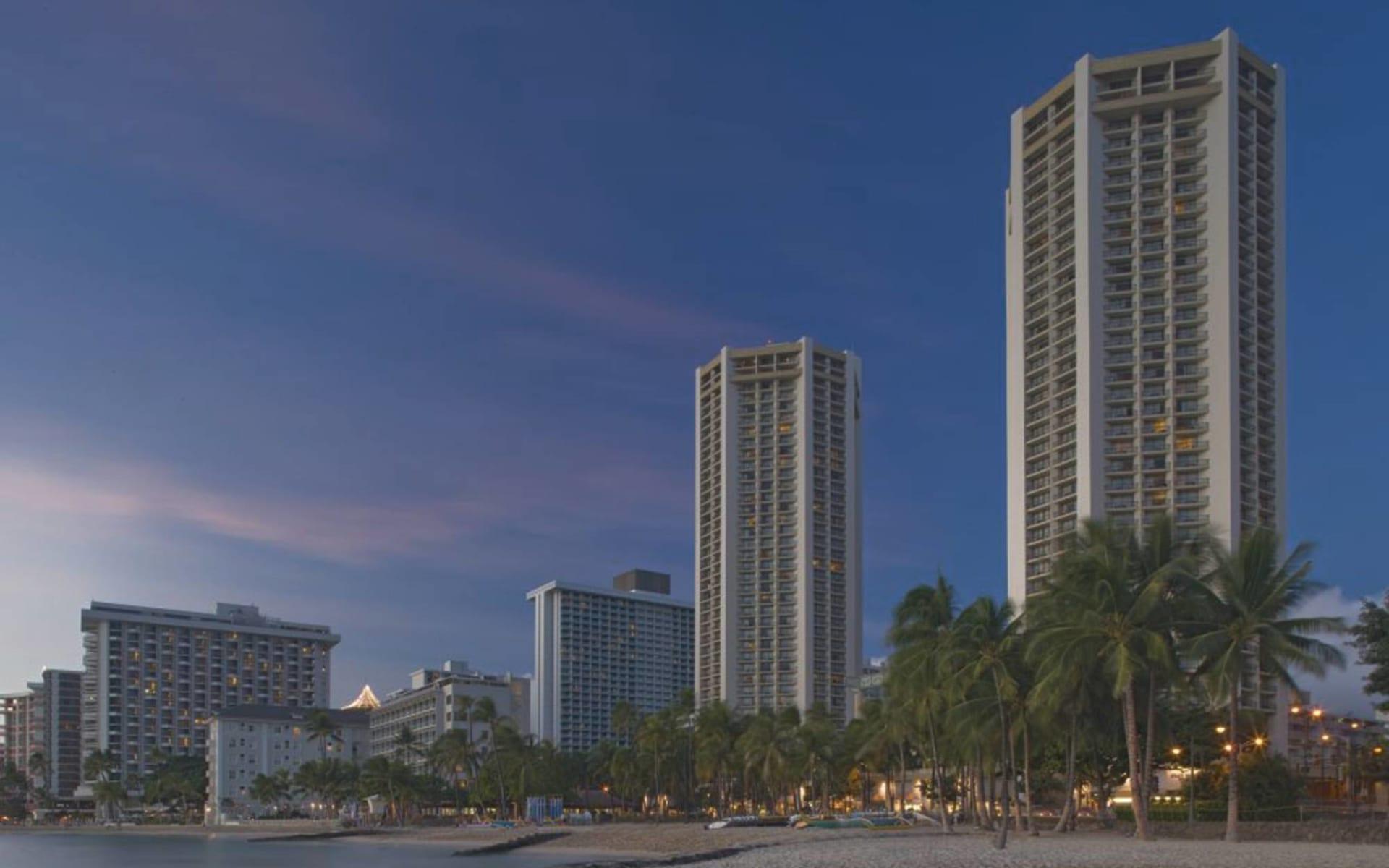 Hyatt Regency Waikiki Beach Resort & Spa in Honolulu - Oahu: exterior hyatt regency waikiki beach resort and spa hotel strand meer