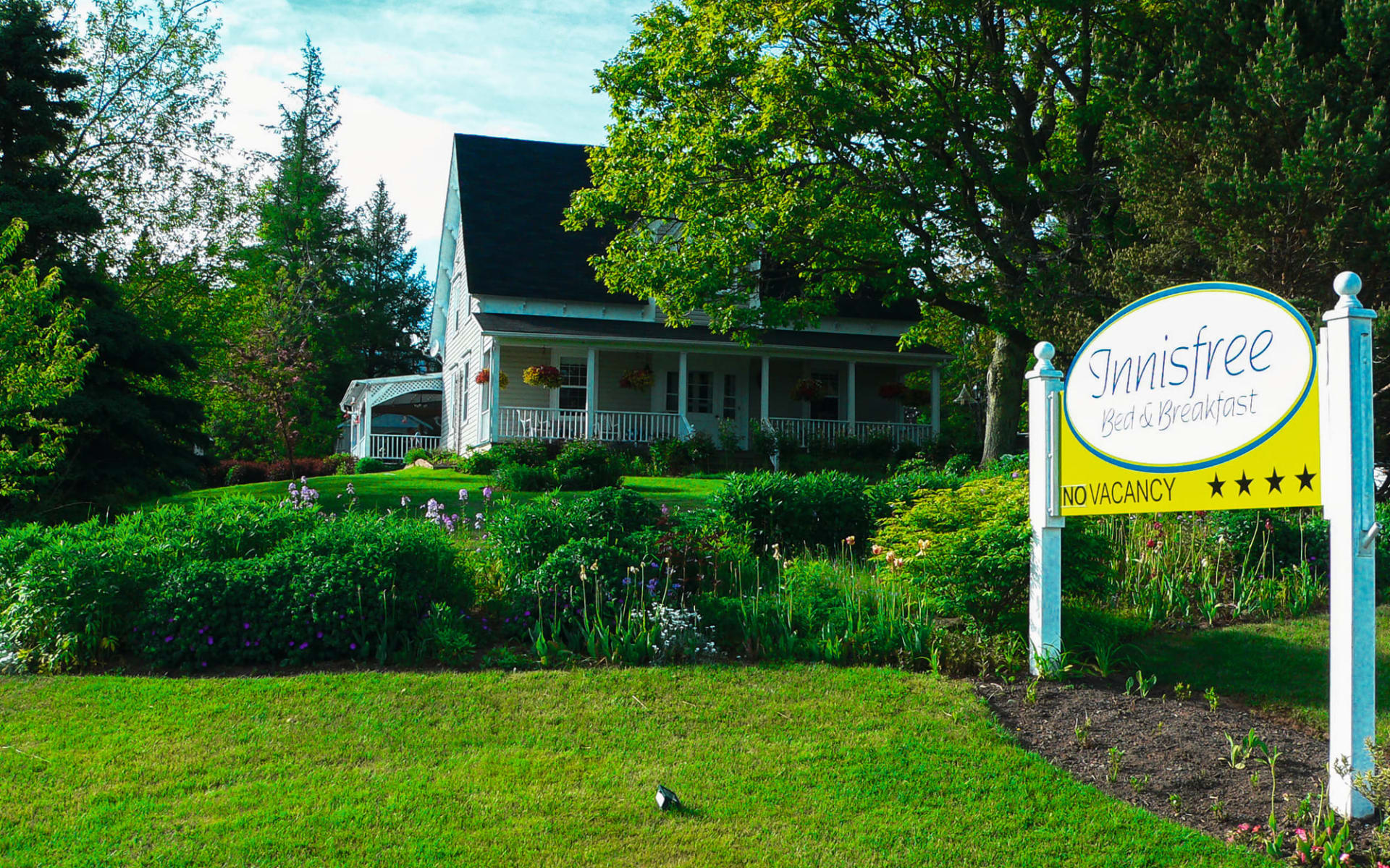 Innisfree Bed and Breakfast in Hopewell Cape: Exterior_Innisfree B&B, Hopewell Cape (NB)