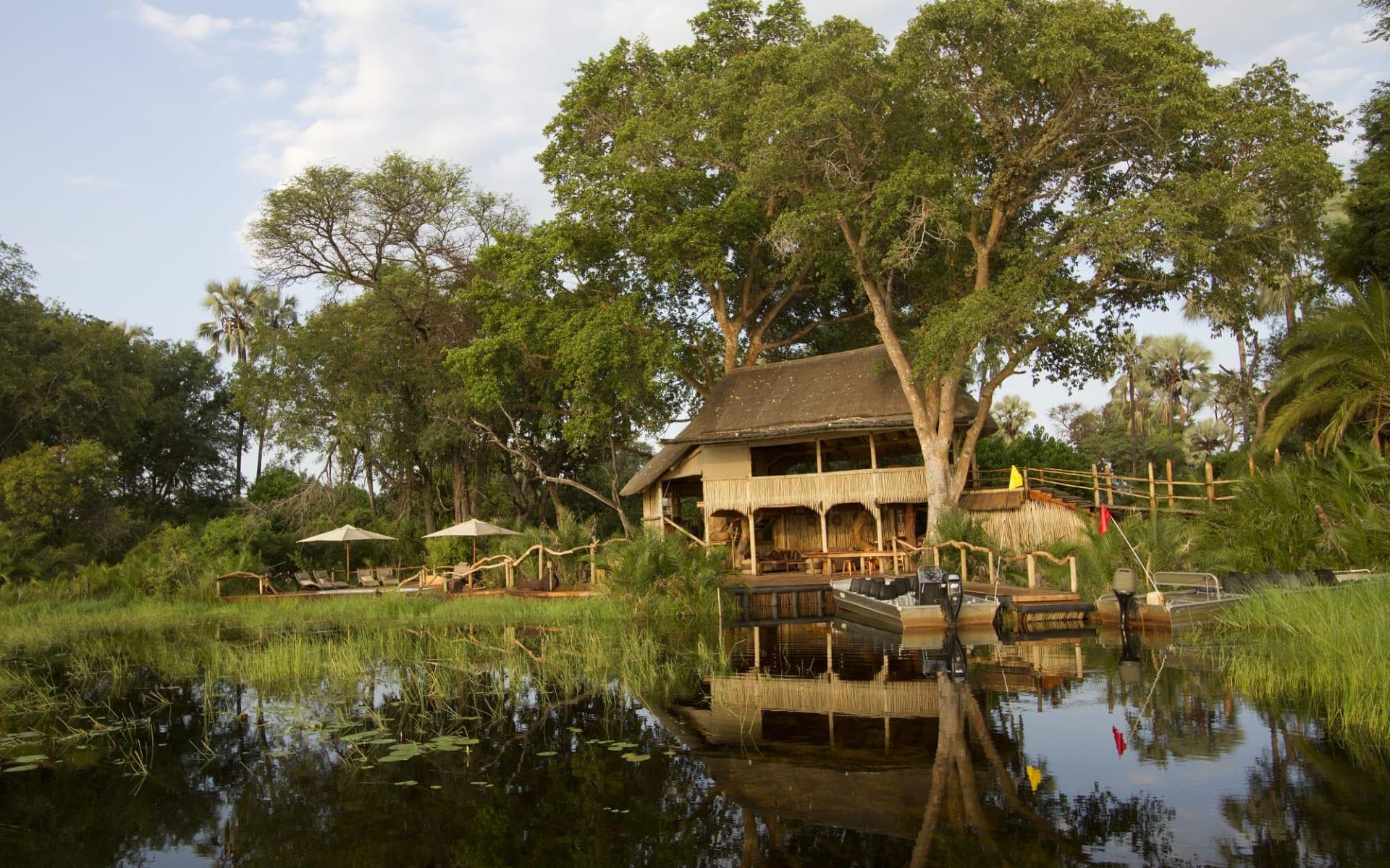 Jacana Camp in Okavango Delta:  Jacana Camp