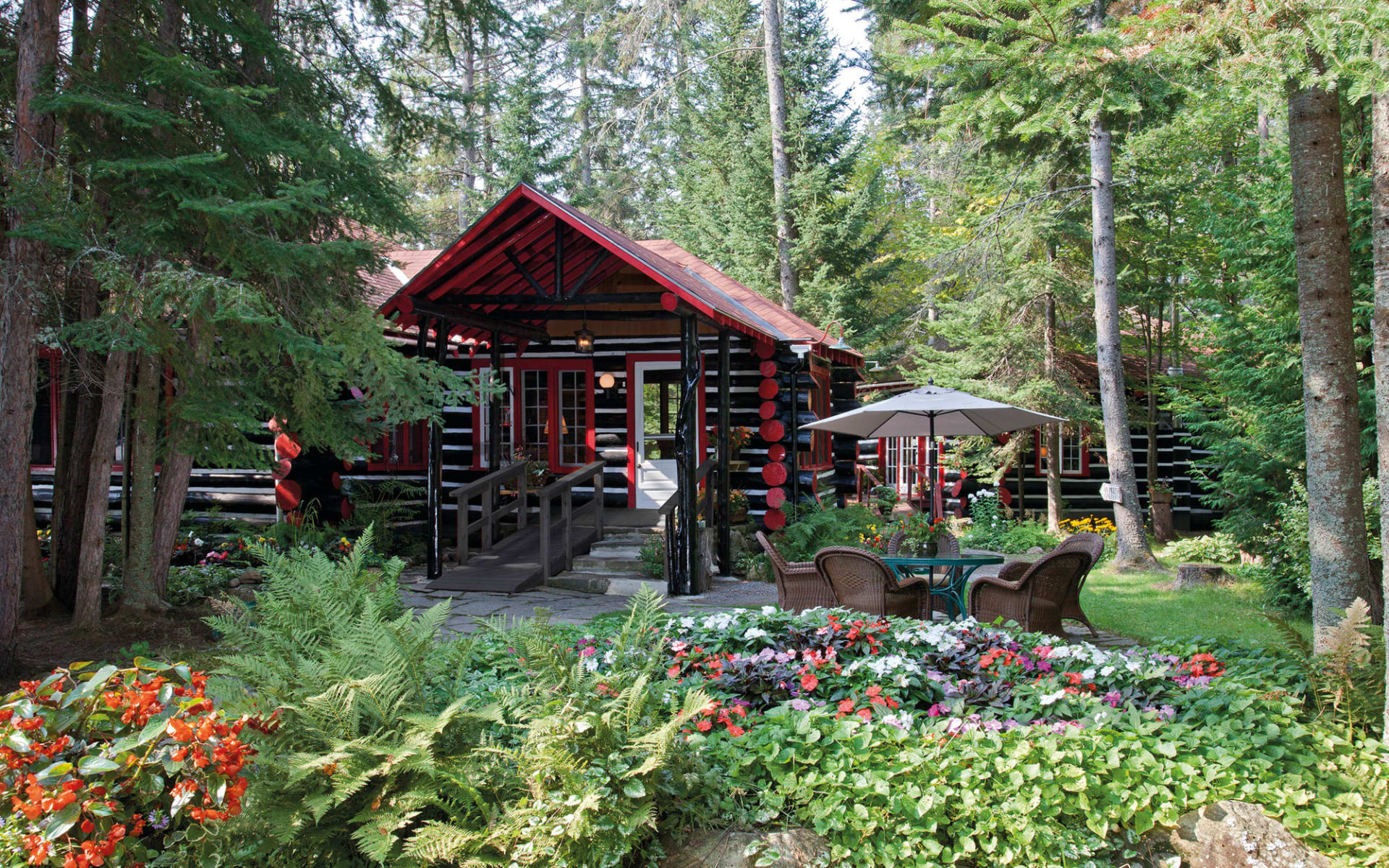 Killarney Lodge in Algonquin Provincial Park:  Killarney Lodge_Cabin2