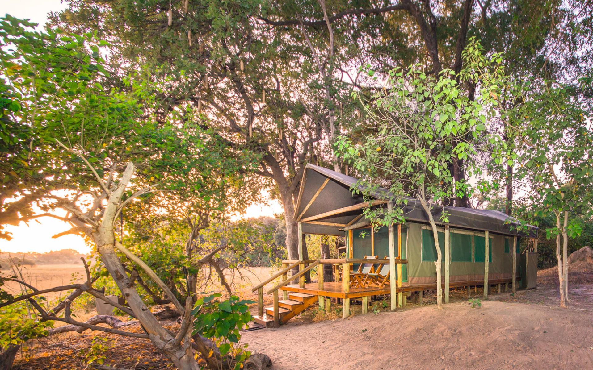 Kwara in Okavango Delta: exterior Kwara - Zeltzimmer mit Terrasse c Kwando