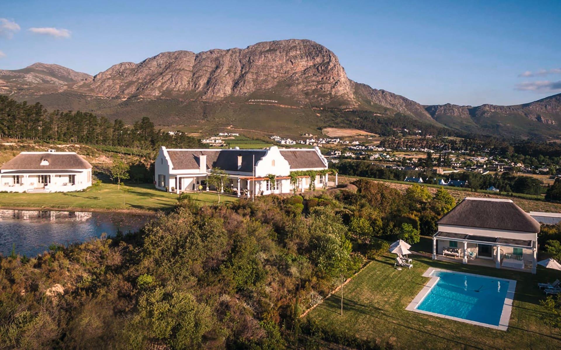 La Cotte Farm in Franschhoek: La Cotte Farm - Aussenansicht mit Lagune