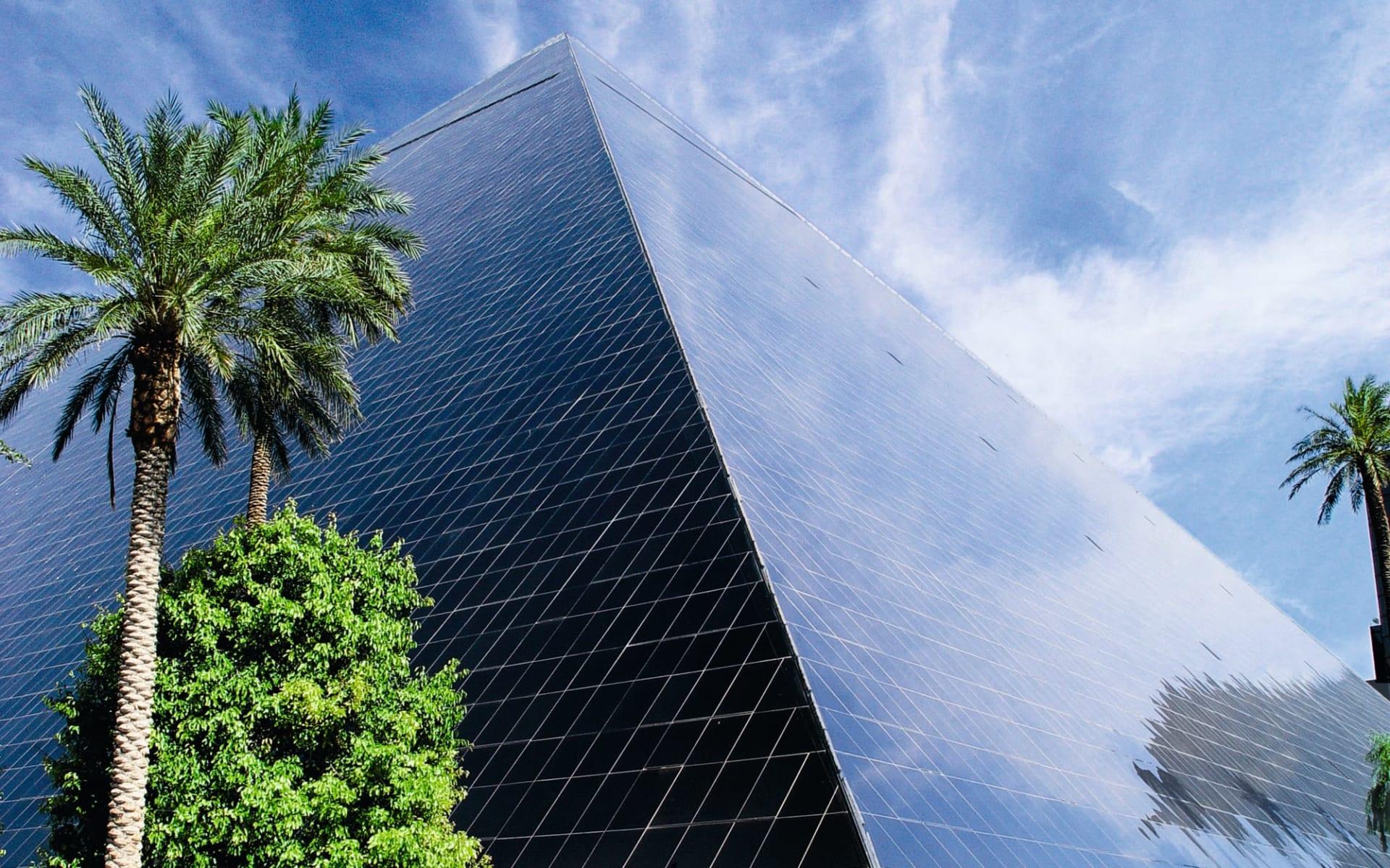 Luxor Resort & Casino in Las Vegas:  Luxor Resort - Aussenansicht