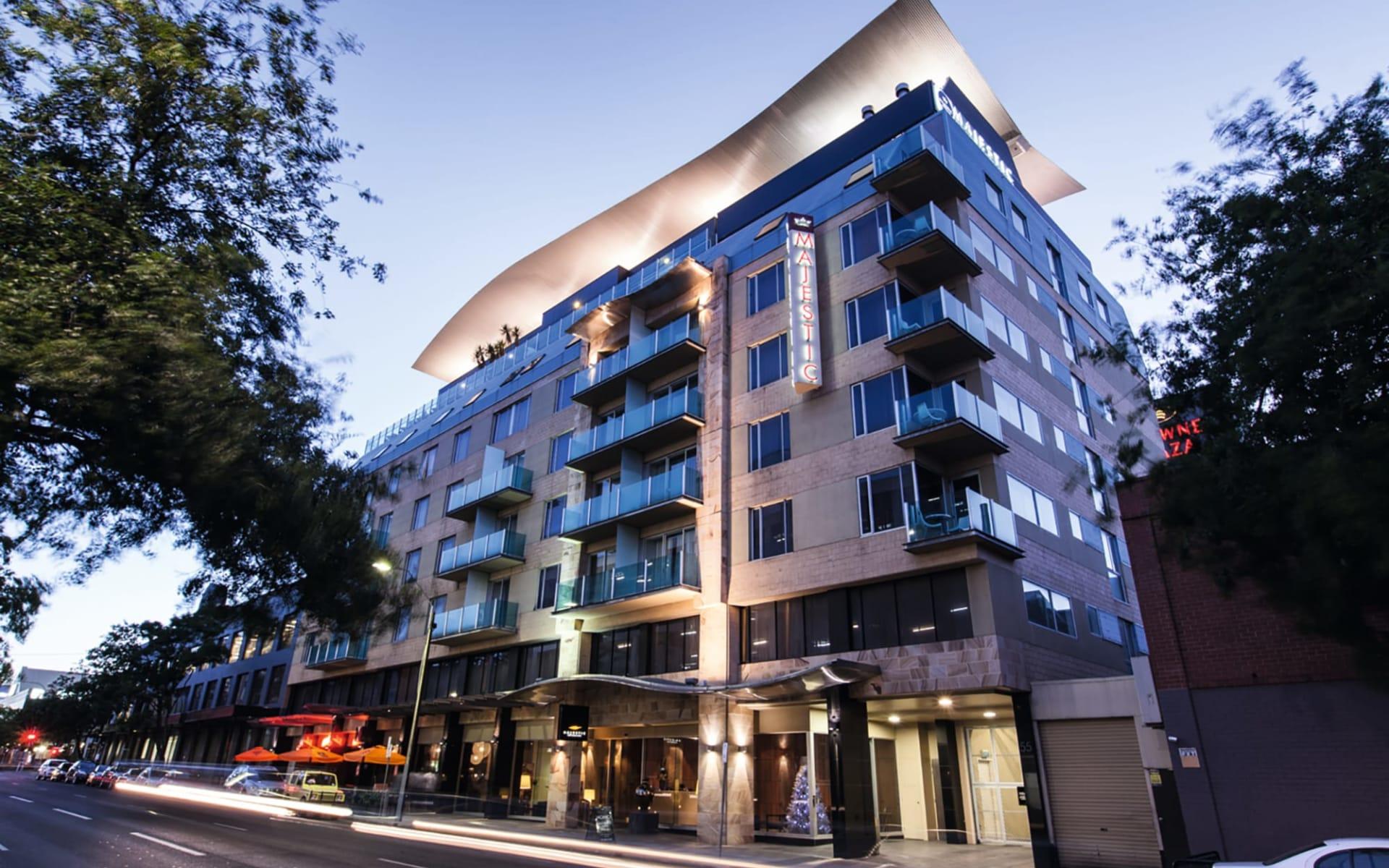 Majestic Roof Garden in Adelaide: Exterior Majestic Roof Gardens Hotel Adelaide Südaustralien Australien  Sicht auf das Hotel von aussen 2017