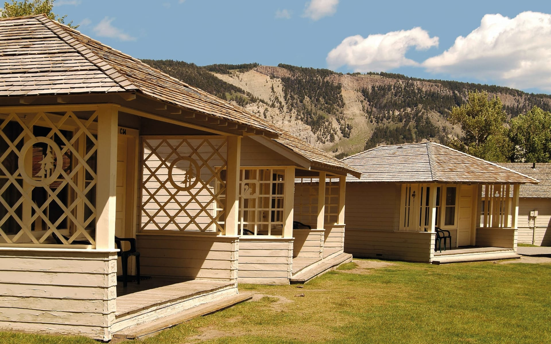 Mammoth Hot Springs Hotel & Cabins in Yellowstone National Park:  Mammoth Hot Springs Hotel Cabin Exterior 1