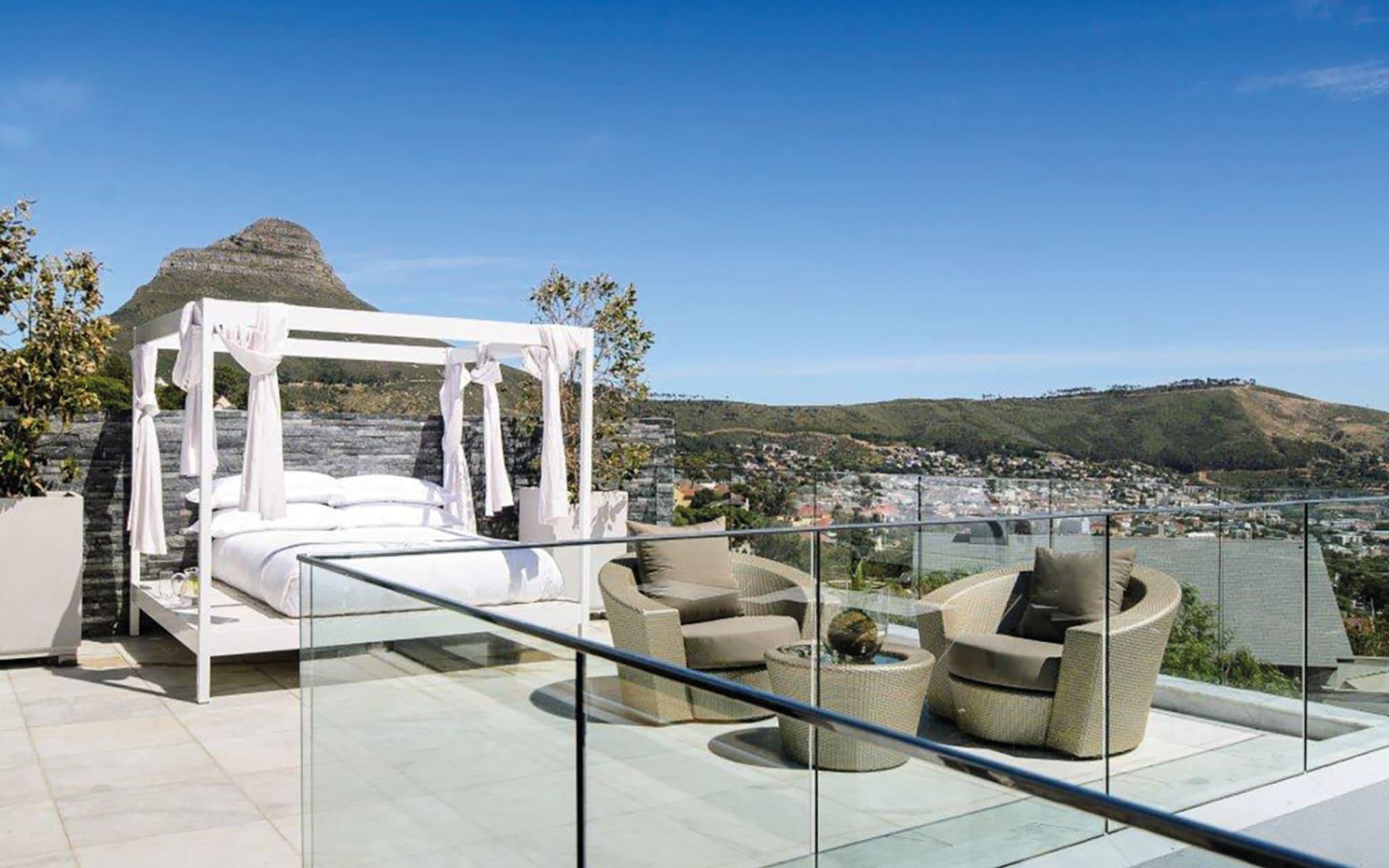 MannaBay in Oranjezicht: exterior Manna Bay - Versailles Balkon
