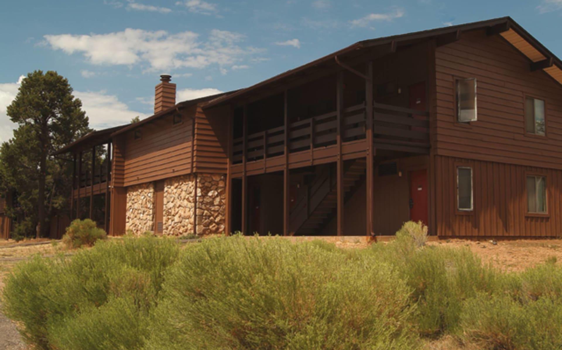 Maswik Lodge North in Grand Canyon Nationalpark: exterior maswik lodge north und south holzhütte