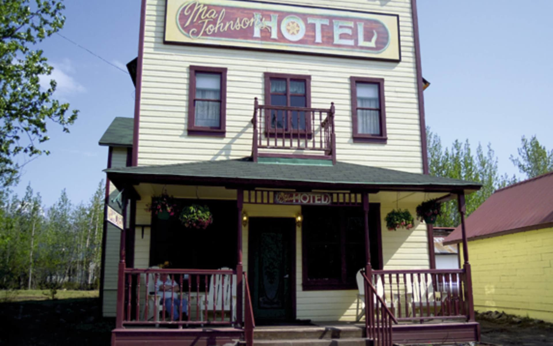 McCarthy Lodge - Ma Johnson Hotel in Wrangell-St. Elias National Park: _Mc Carthy Lodge - Ma Johnson Hotel - Aussenansicht