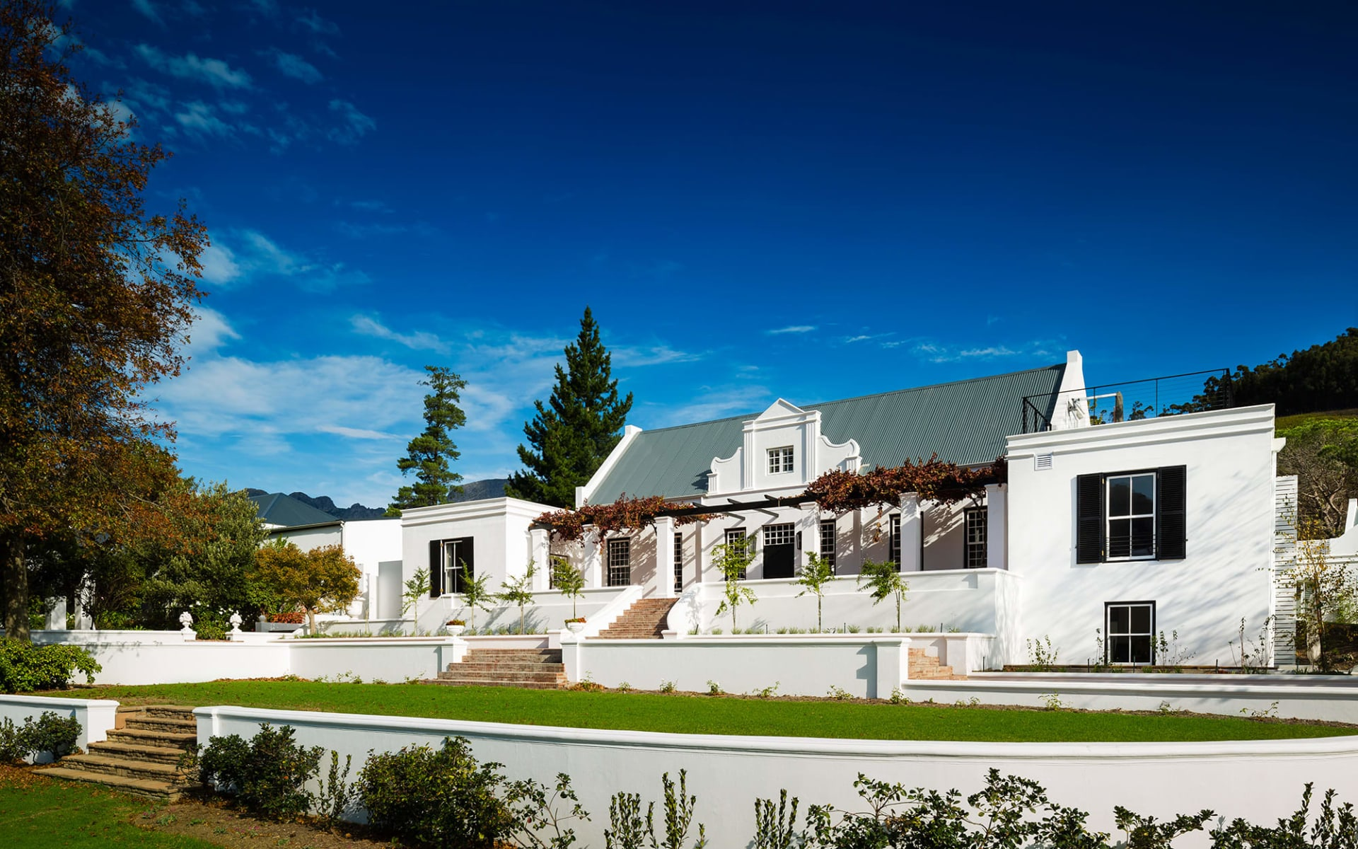Mont Rochelle Hotel & Vineyard in Franschhoek:  Mont Rochelle - manor house