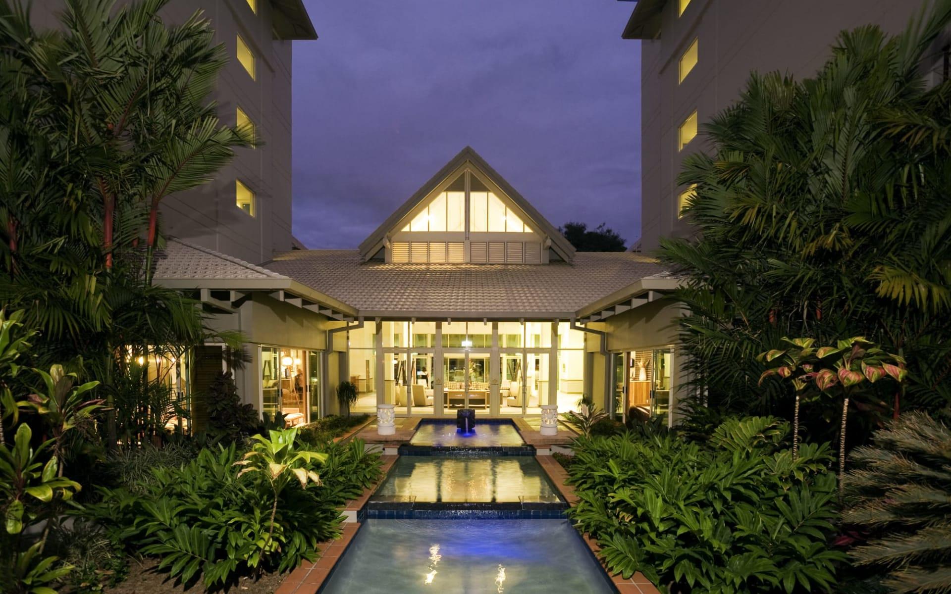 Novotel Cairns Oasis Resort: Exterior Novotel Cairns Oasis Resort Hotel Haupthaus