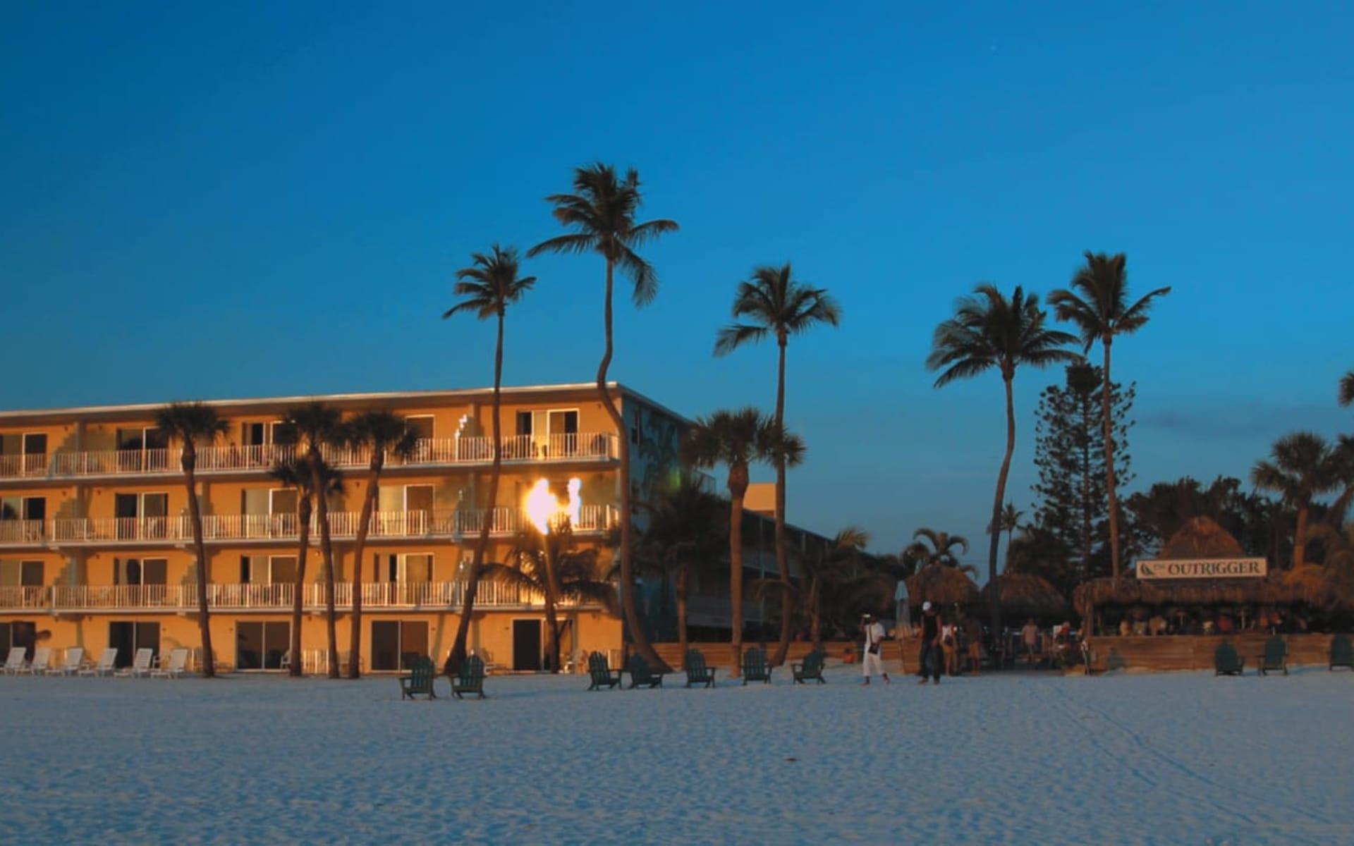 Outrigger Beach Resort in Fort Myers:  Outrigger Beach Resort - Aussenansicht