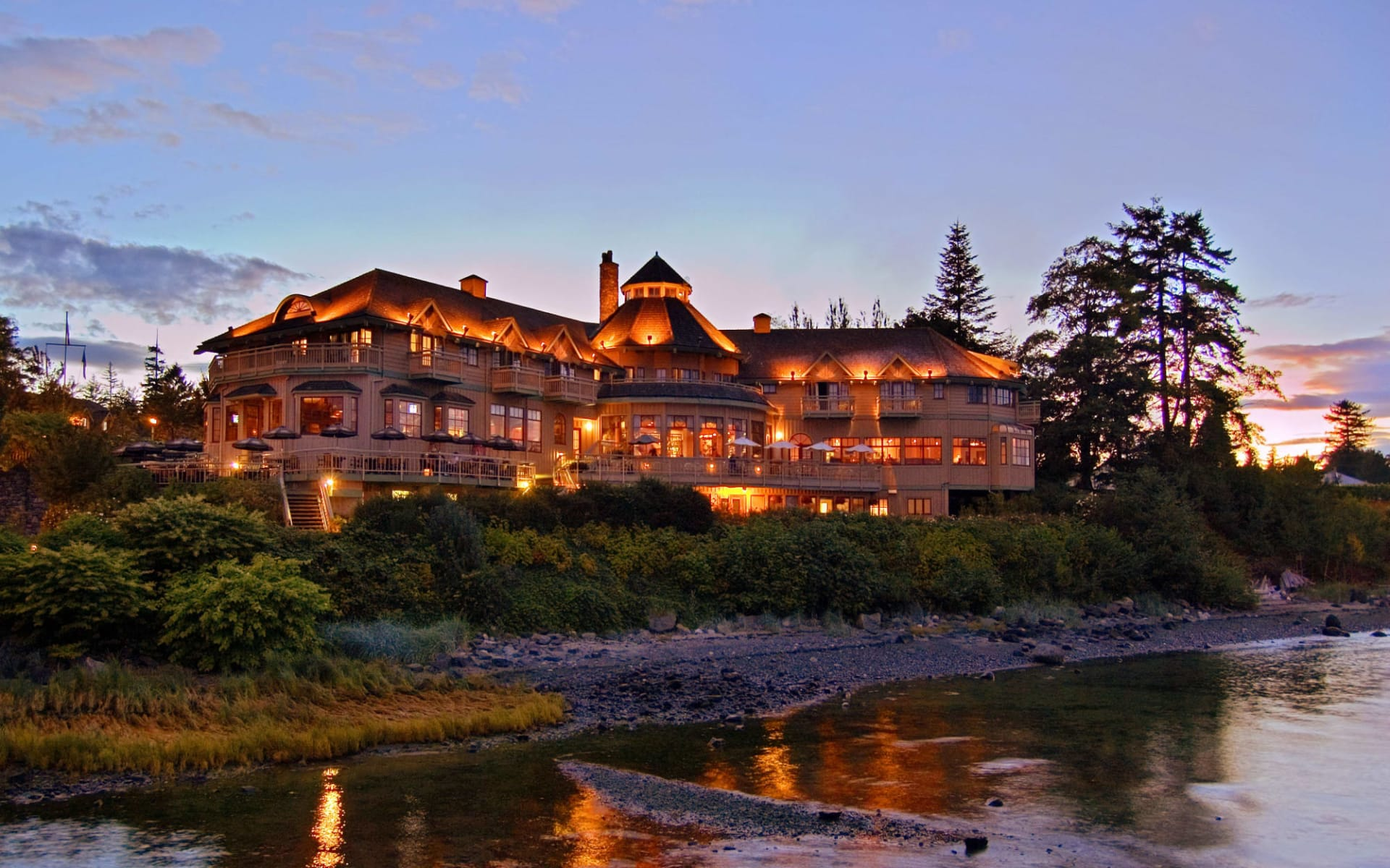 Painter's Lodge Holiday & Fishing Resort in Campbell River:  Painter'sLodgeFishingResort