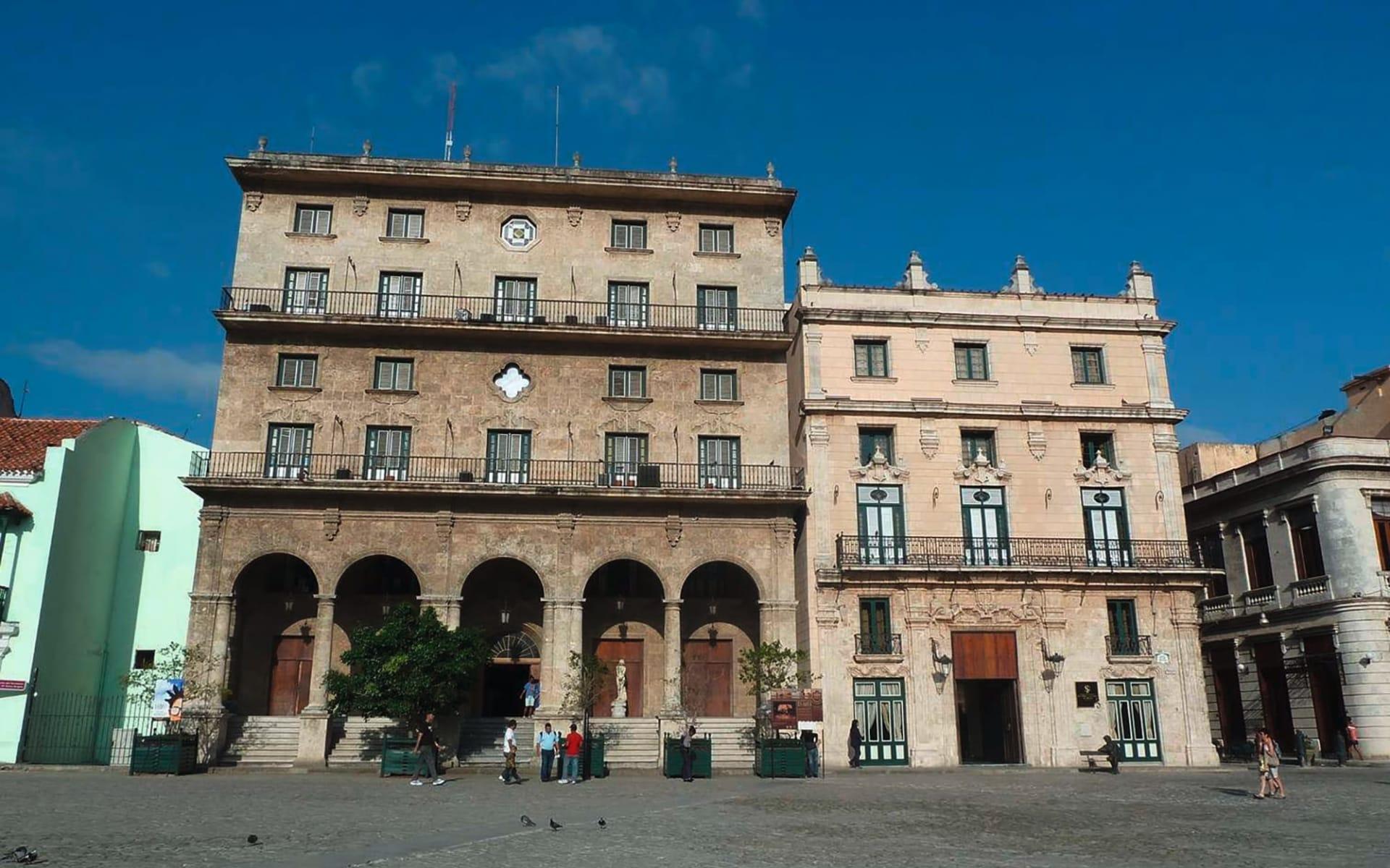 Palacio San Felipe y Santiago de Bejucal in Havanna: exterior palacio san felipe y santiago de bejucal hotel strasse