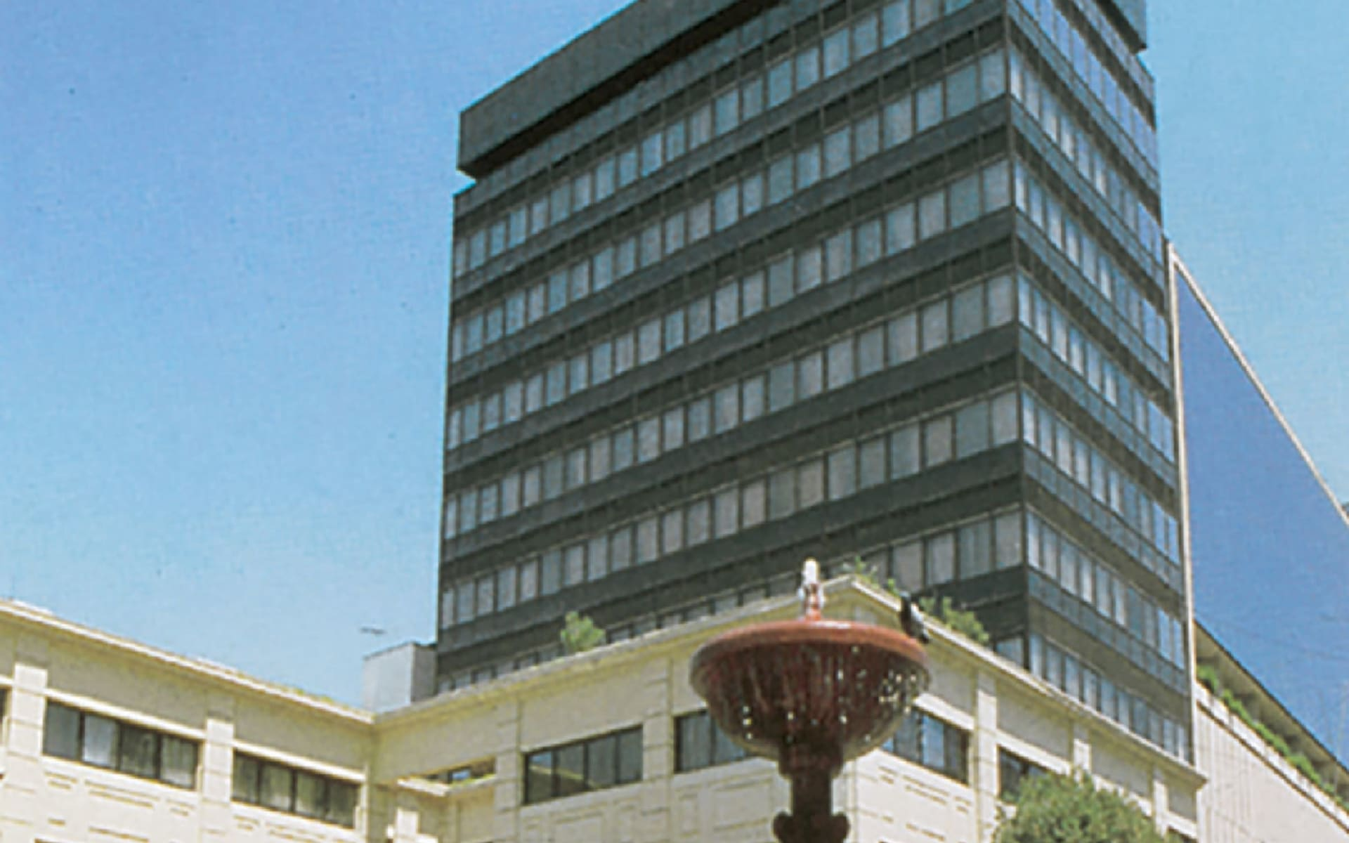 Plaza San Francisco in Santiago de Chile: exterior Plaza San Francisco von aussen