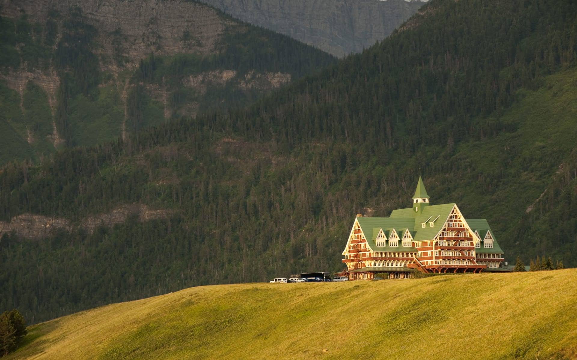 Prince of Wales Hotel in Waterton Lakes Nationalpark: exterior_Prince of Wales Hotel Waterton Park