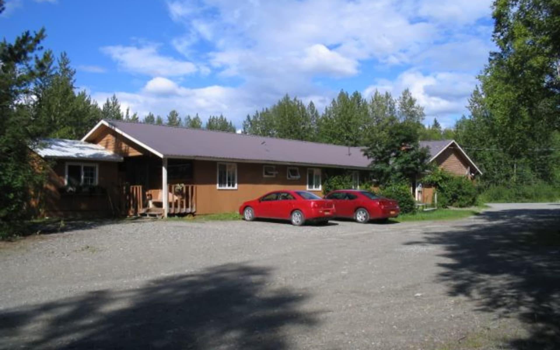 Swiss Alaska Inn in Talkeetna:  rear-of-lodge