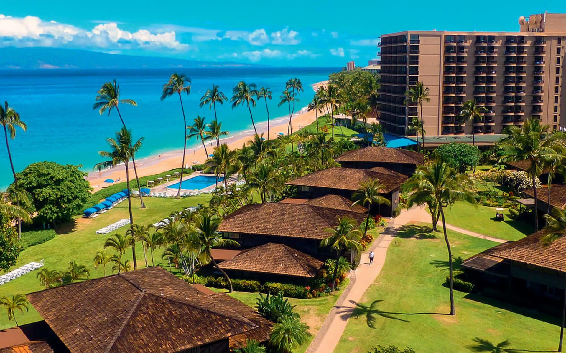 Royal Lahaina Resort in Lahaina - Maui: exterior royal lahaina resort hotelanlage meer garten