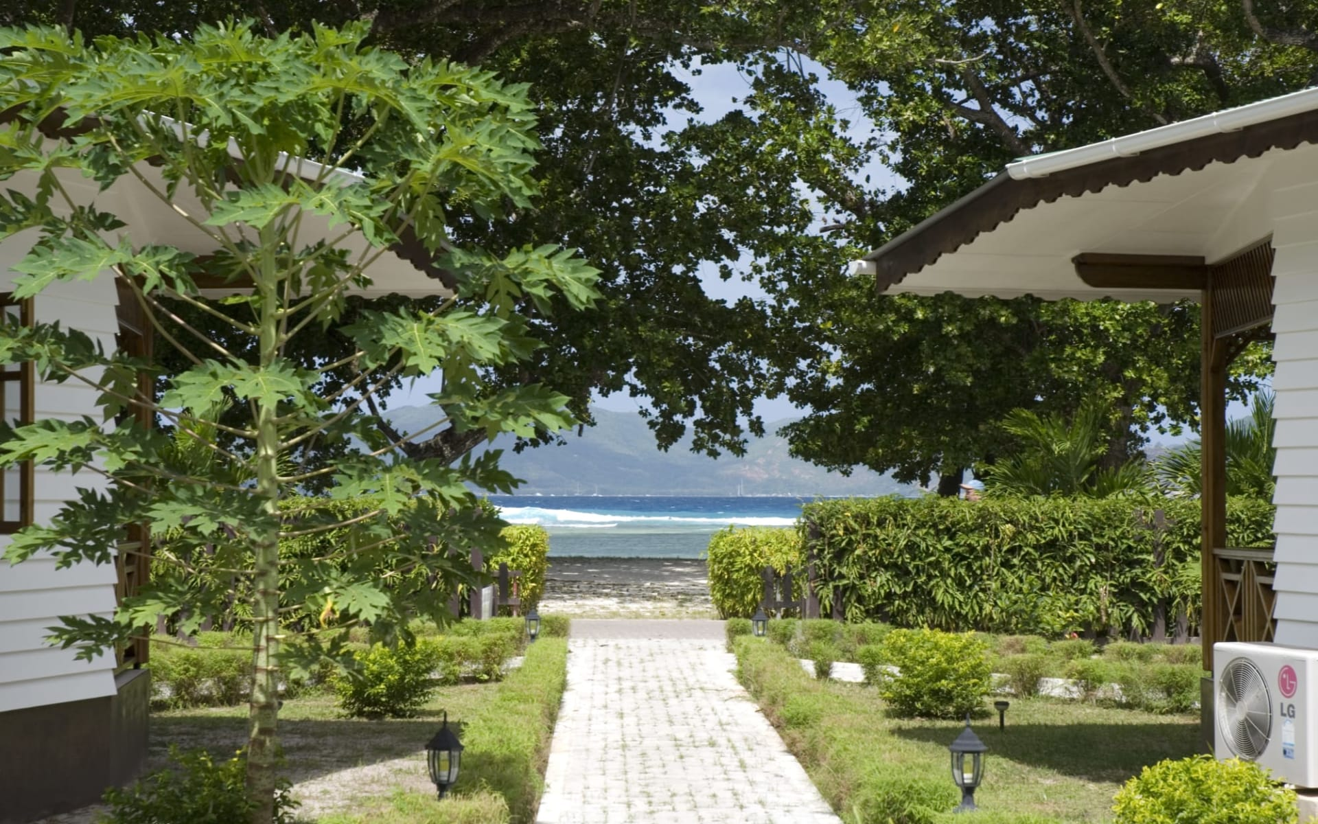 Villa Creole in La Digue: Sea