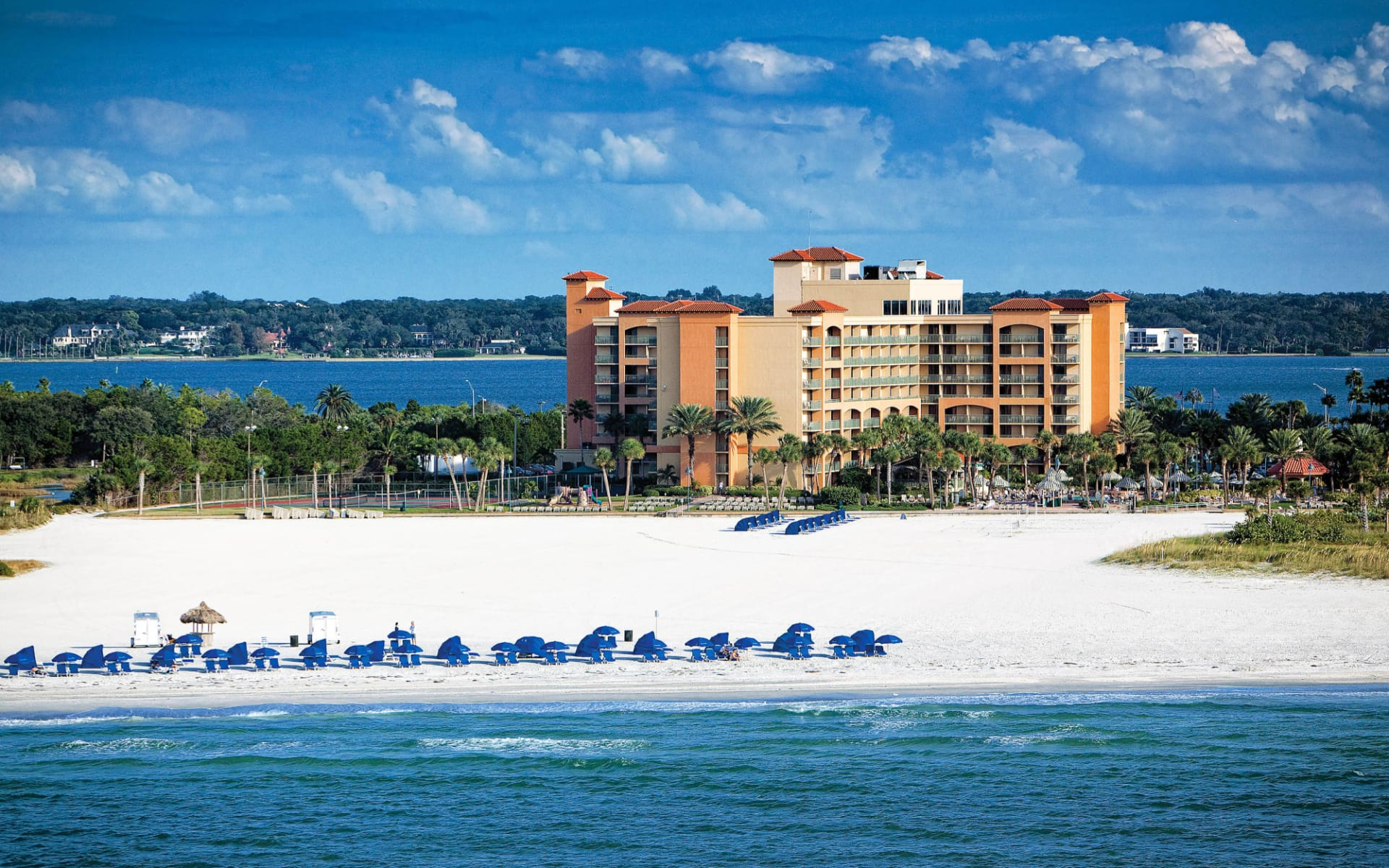 Sheraton Sand Key Resort in Clearwater Beach:  Shearton Sand Key_Ansicht mit Beach