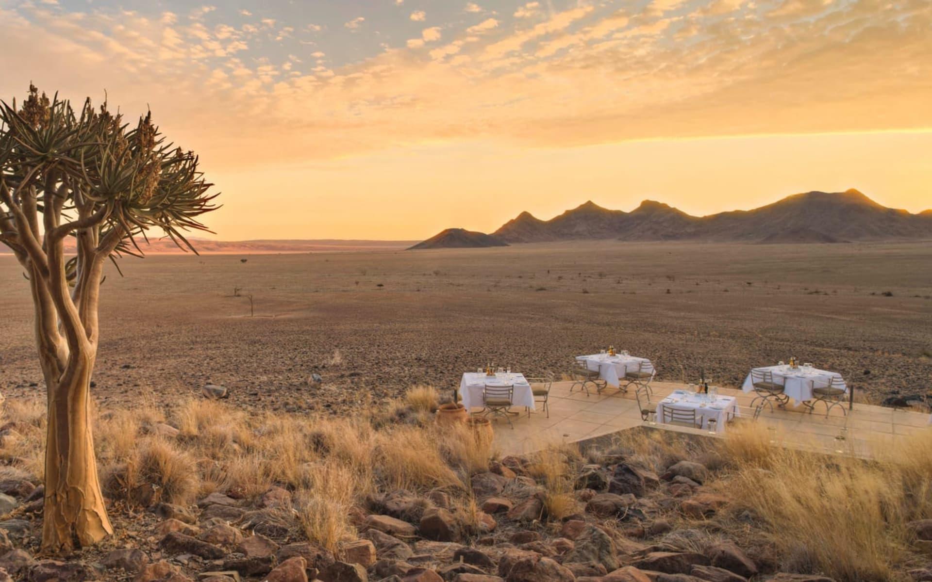 Sossusvlei Desert Lodge in NamibRand Nature Reserve: exterior Sossusvlei desert lodge - ausblick von der Lodge c andBeyond