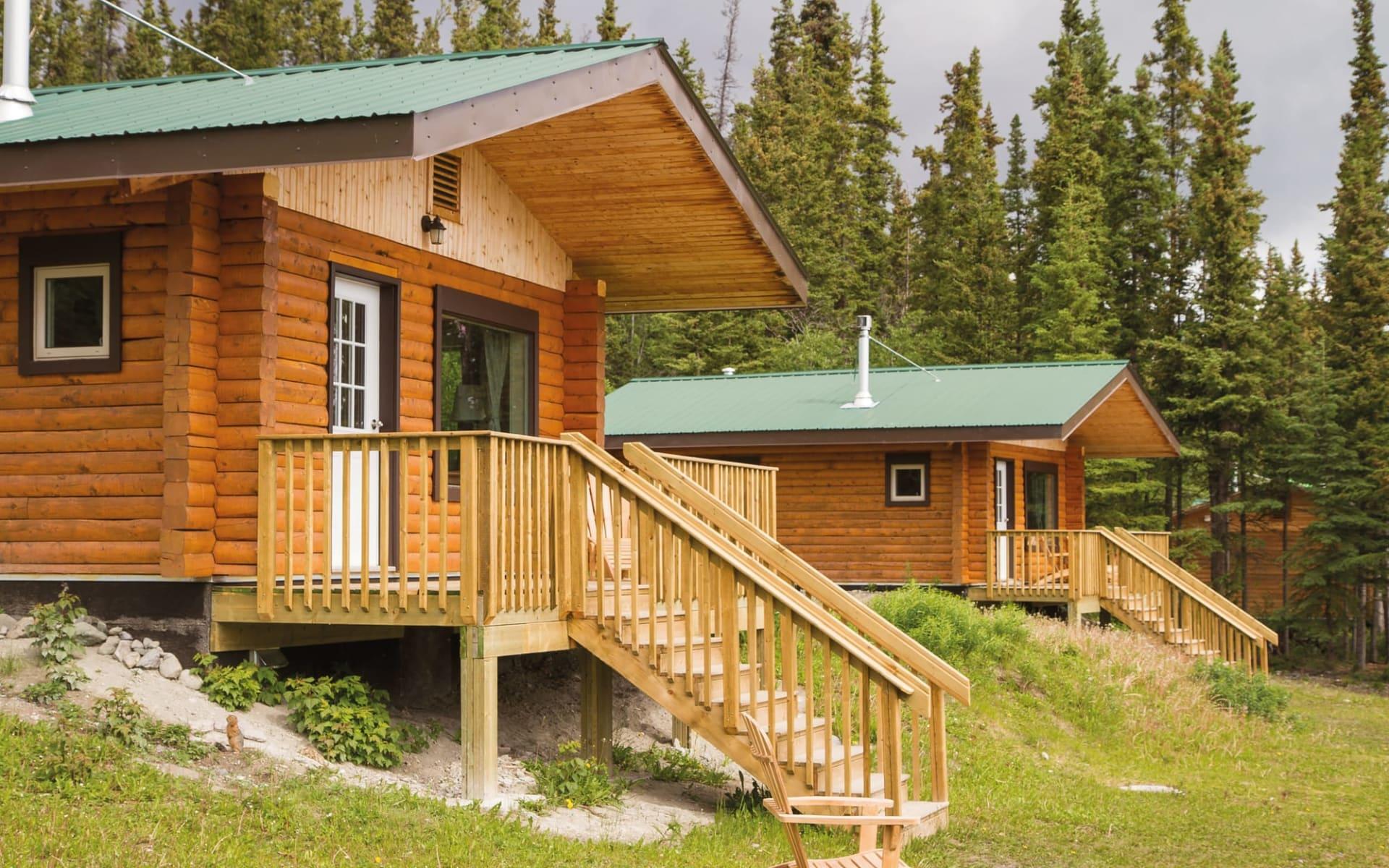 Southern Lakes Resort & Restaurant in Tagish: Exterior_Southern Lakes Resorts_ Aussenansicht Cabin_c Jonview