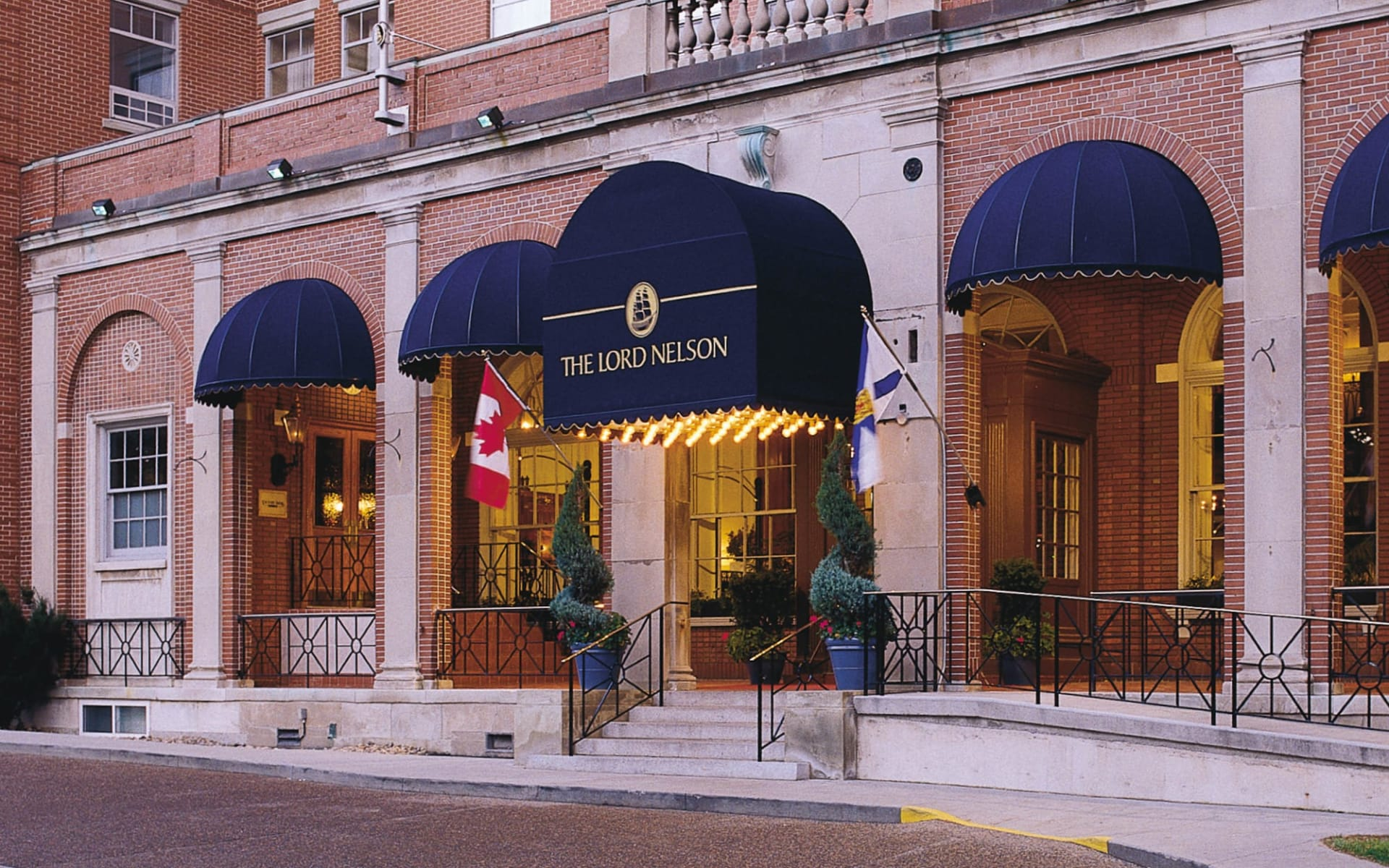 The Lord Nelson Hotel & Suites in Halifax:  The Lord Nelson Hotel & Suites_Entrance